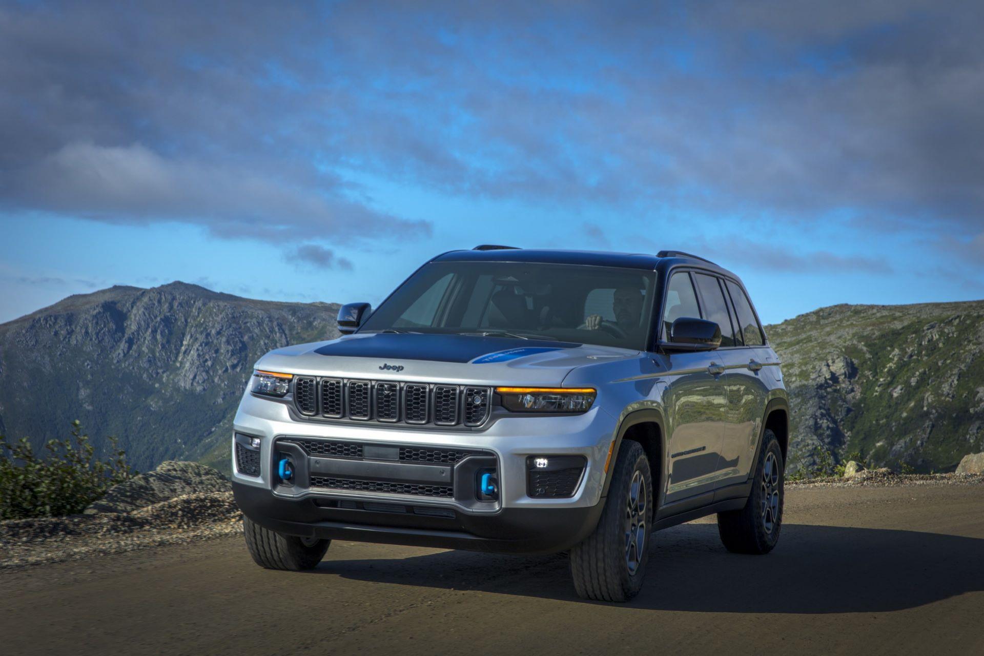 Jeep-Grand-Cherokee-2022-34