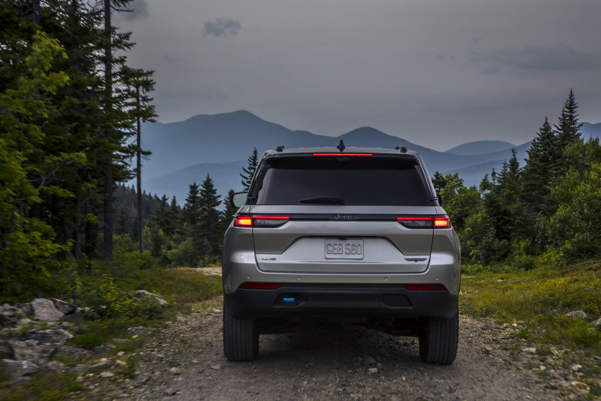 Jeep-Grand-Cherokee-2022-35