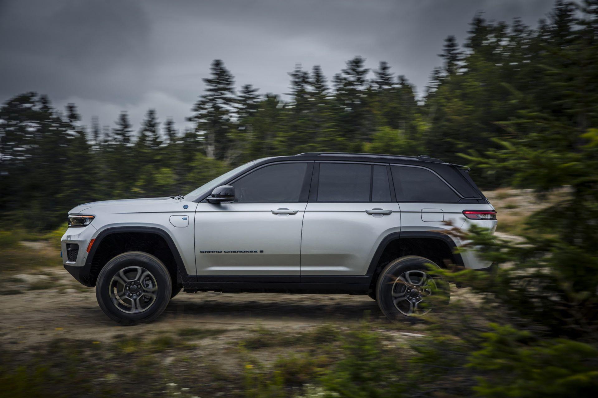 Jeep-Grand-Cherokee-2022-36