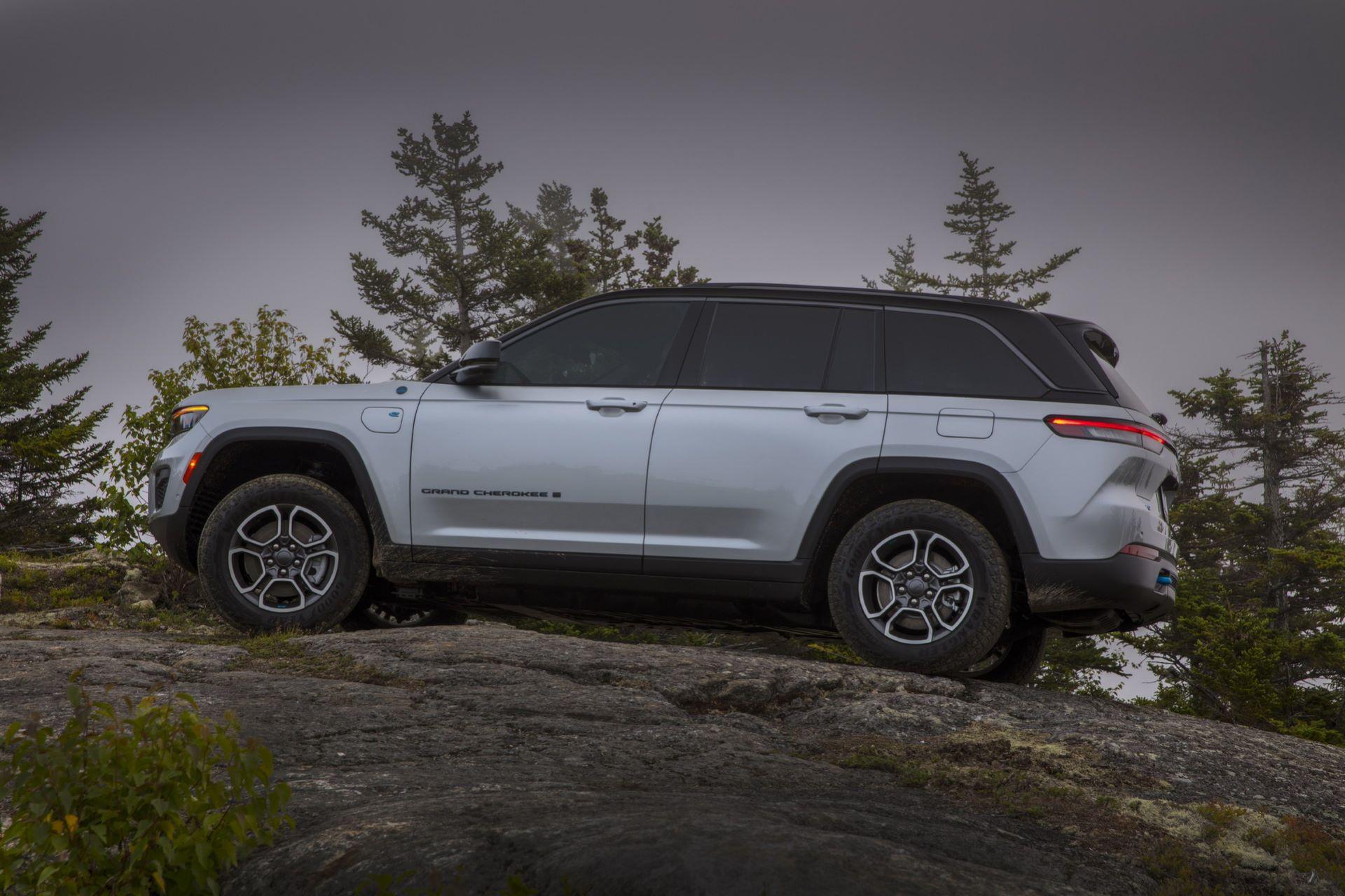 Jeep-Grand-Cherokee-2022-37
