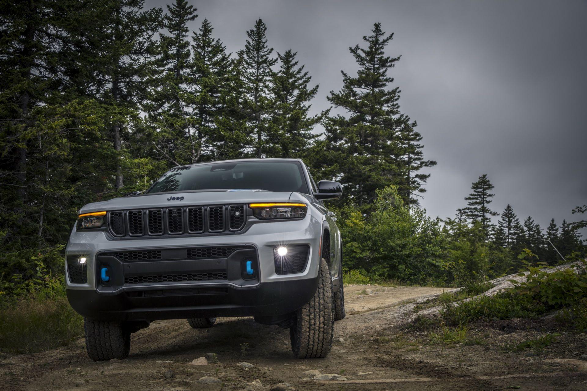 Jeep-Grand-Cherokee-2022-39