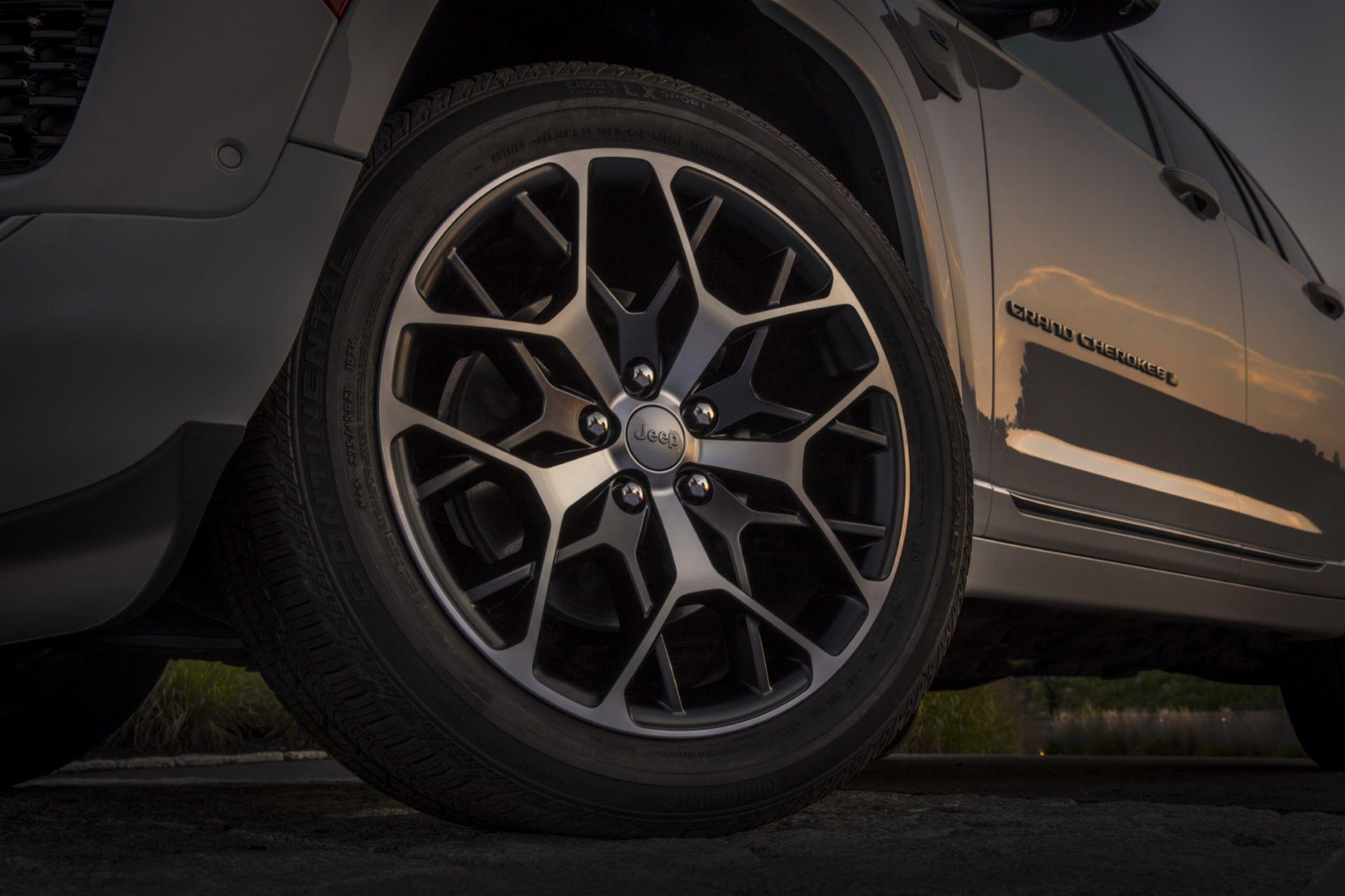Jeep-Grand-Cherokee-2022-56