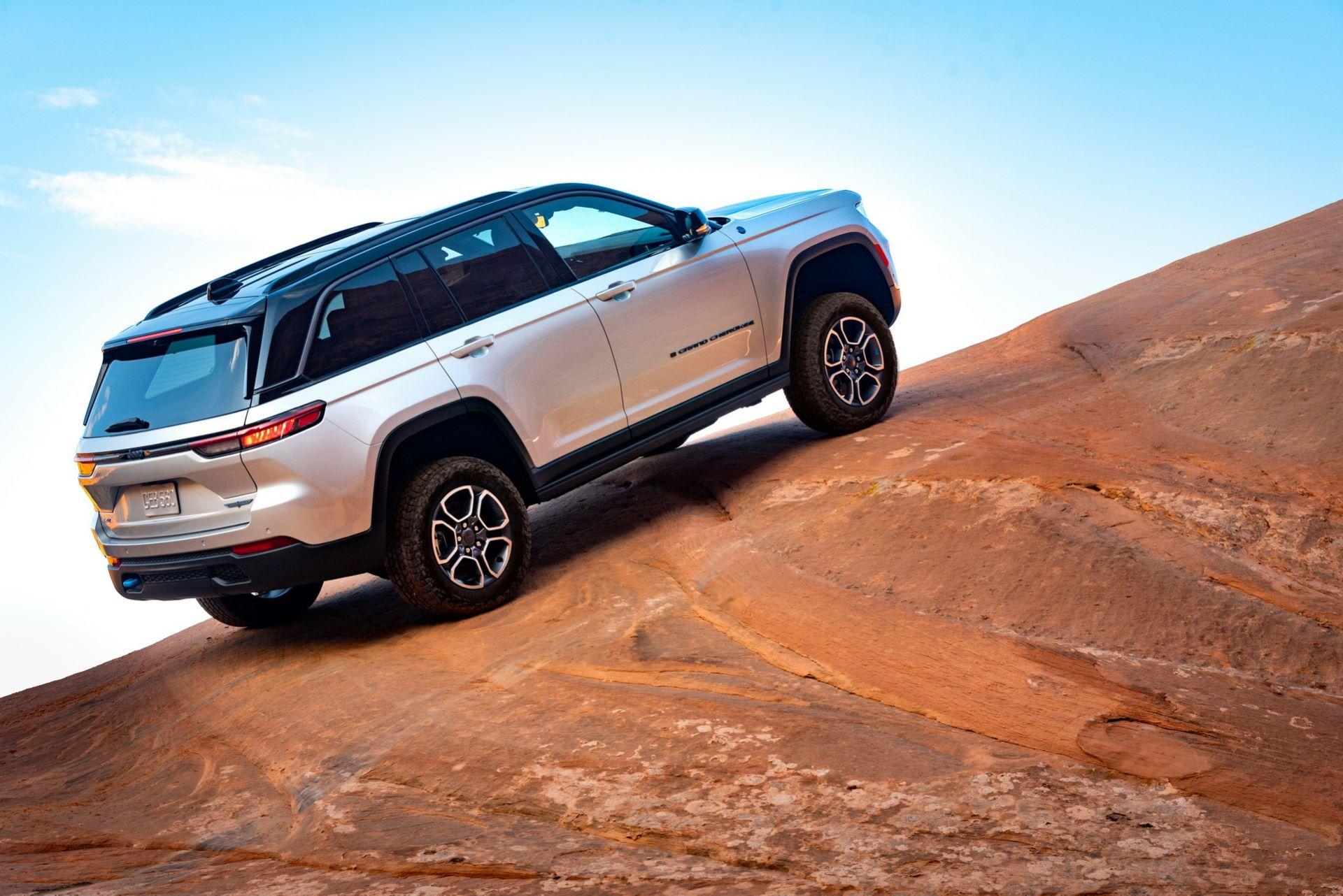 Jeep-Grand-Cherokee-2022-7