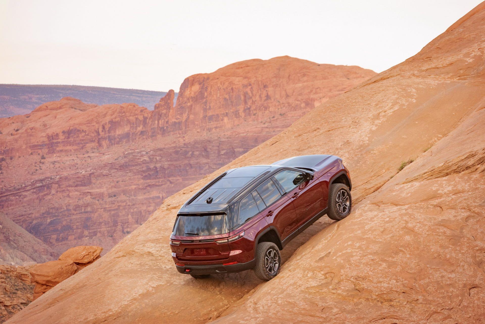 Jeep-Grand-Cherokee-2022-85
