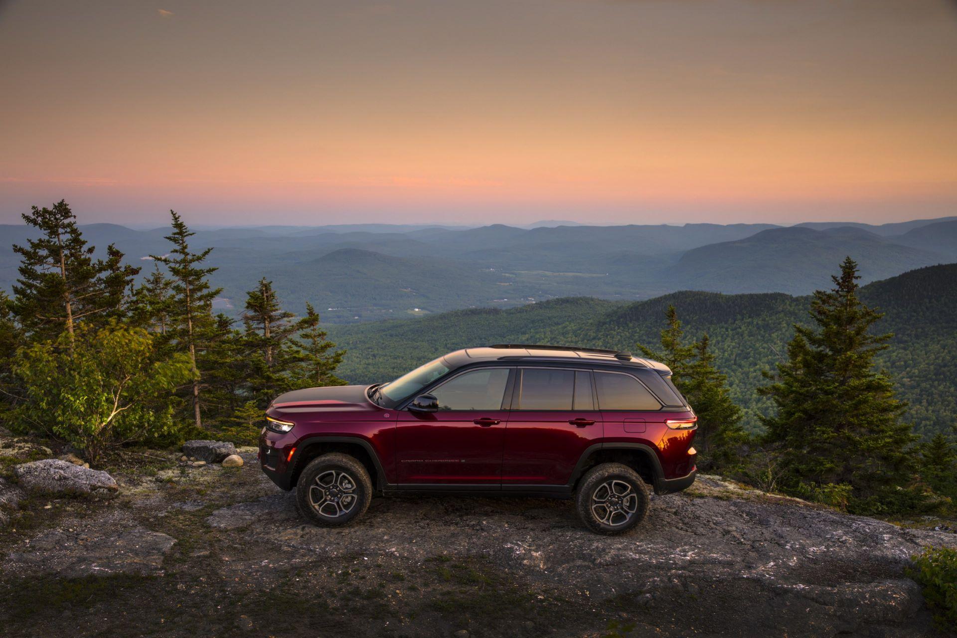 Jeep-Grand-Cherokee-2022-94