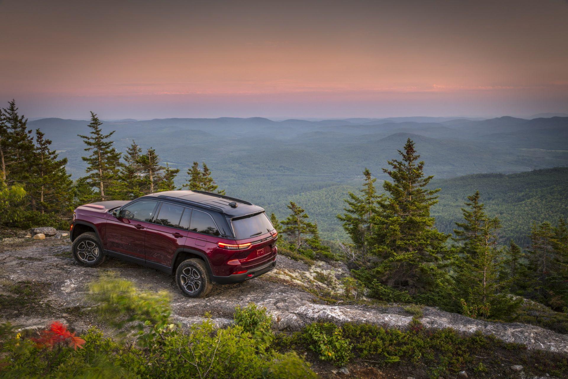 Jeep-Grand-Cherokee-2022-95