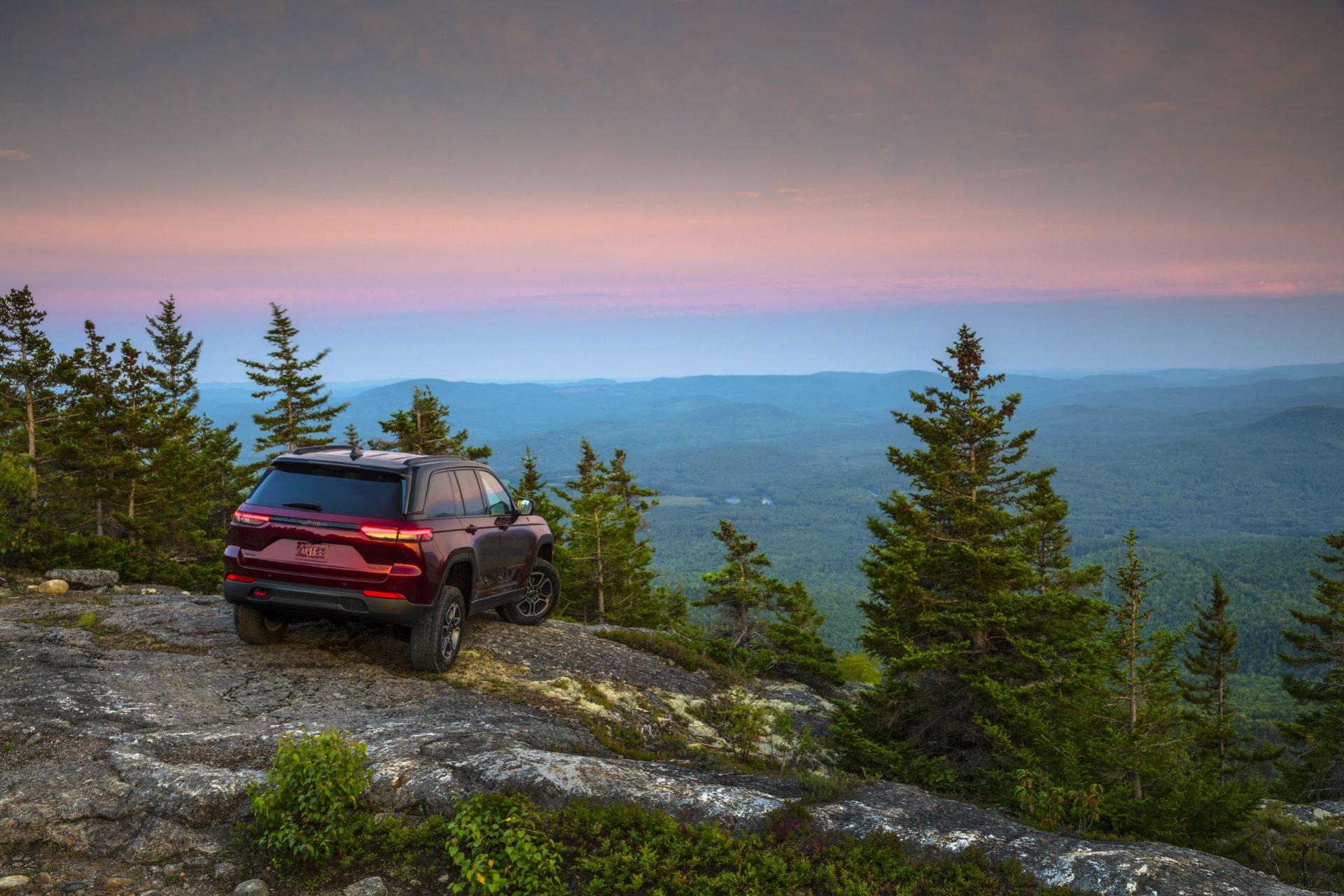 Jeep-Grand-Cherokee-2022-96