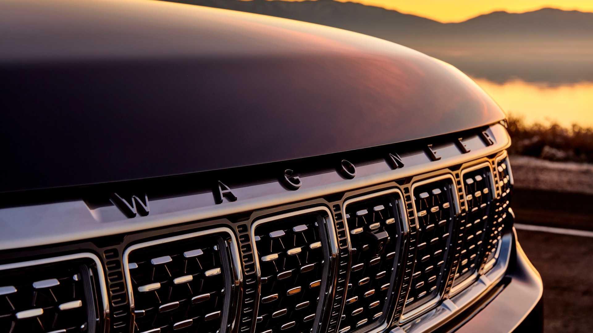 2022-jeep-grand-wagoneer-exterior-badging-2