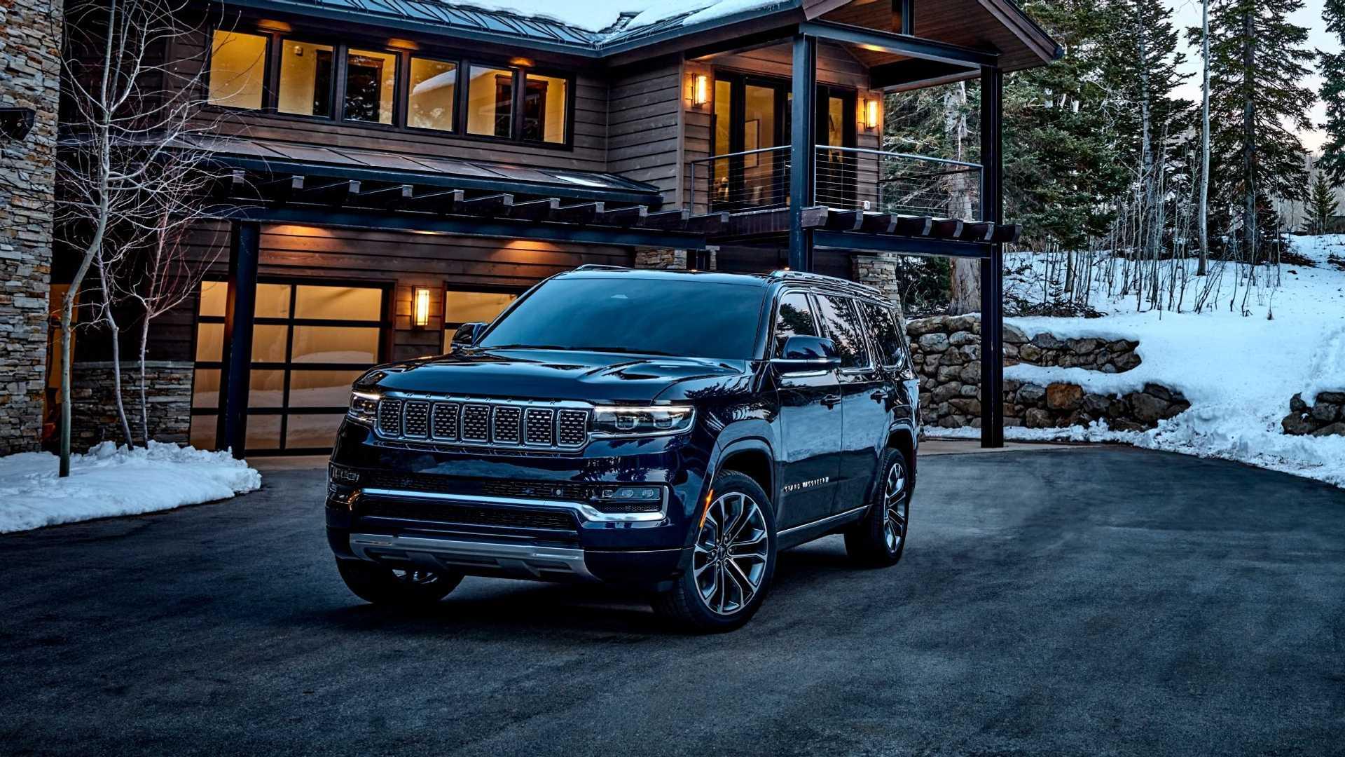 2022-jeep-grand-wagoneer-exterior-front-quarter-2