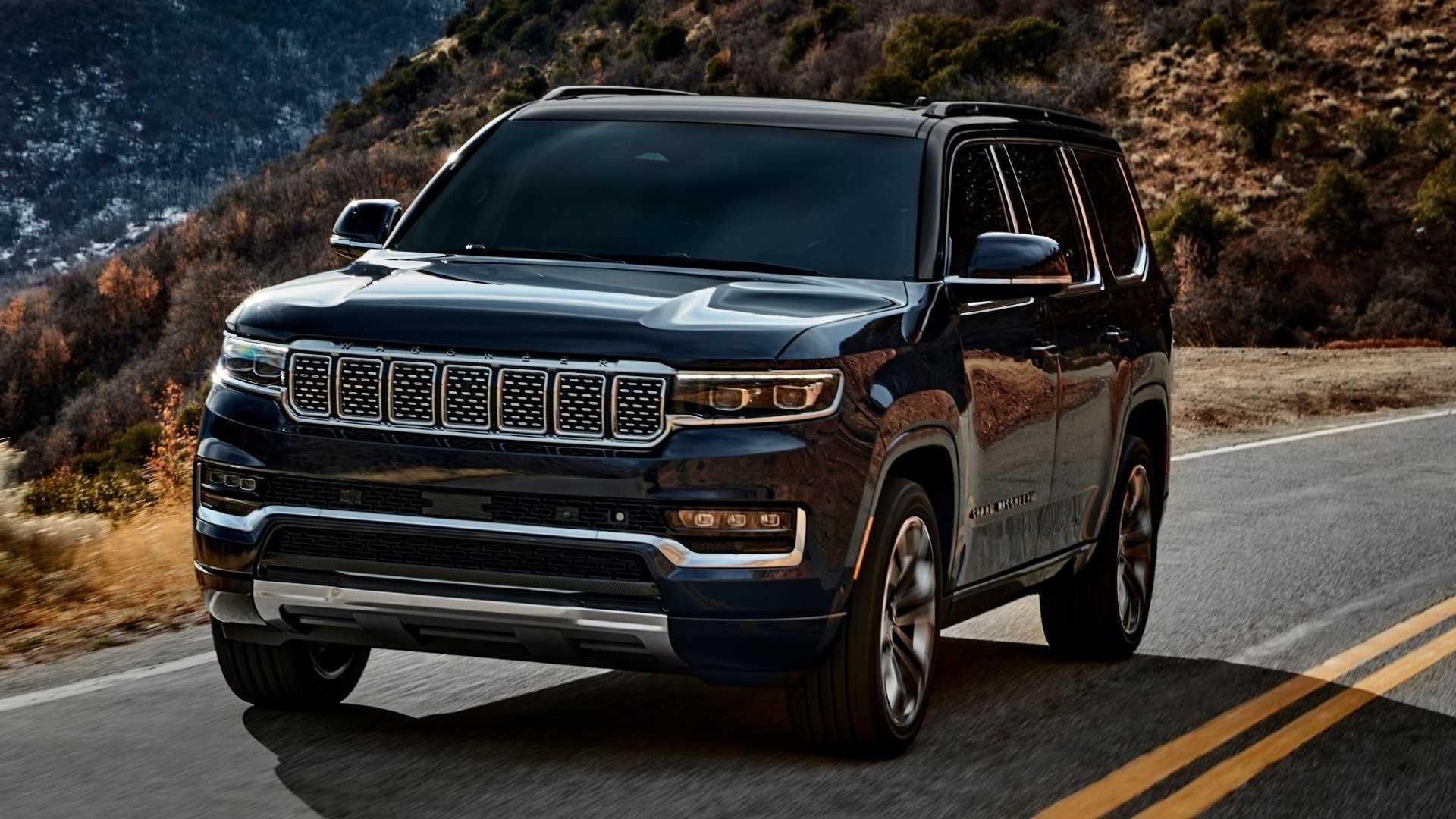 2022-jeep-grand-wagoneer-exterior-front-quarter-3