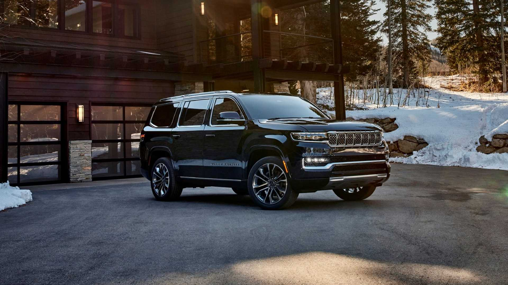2022-jeep-grand-wagoneer-exterior-front-quarter