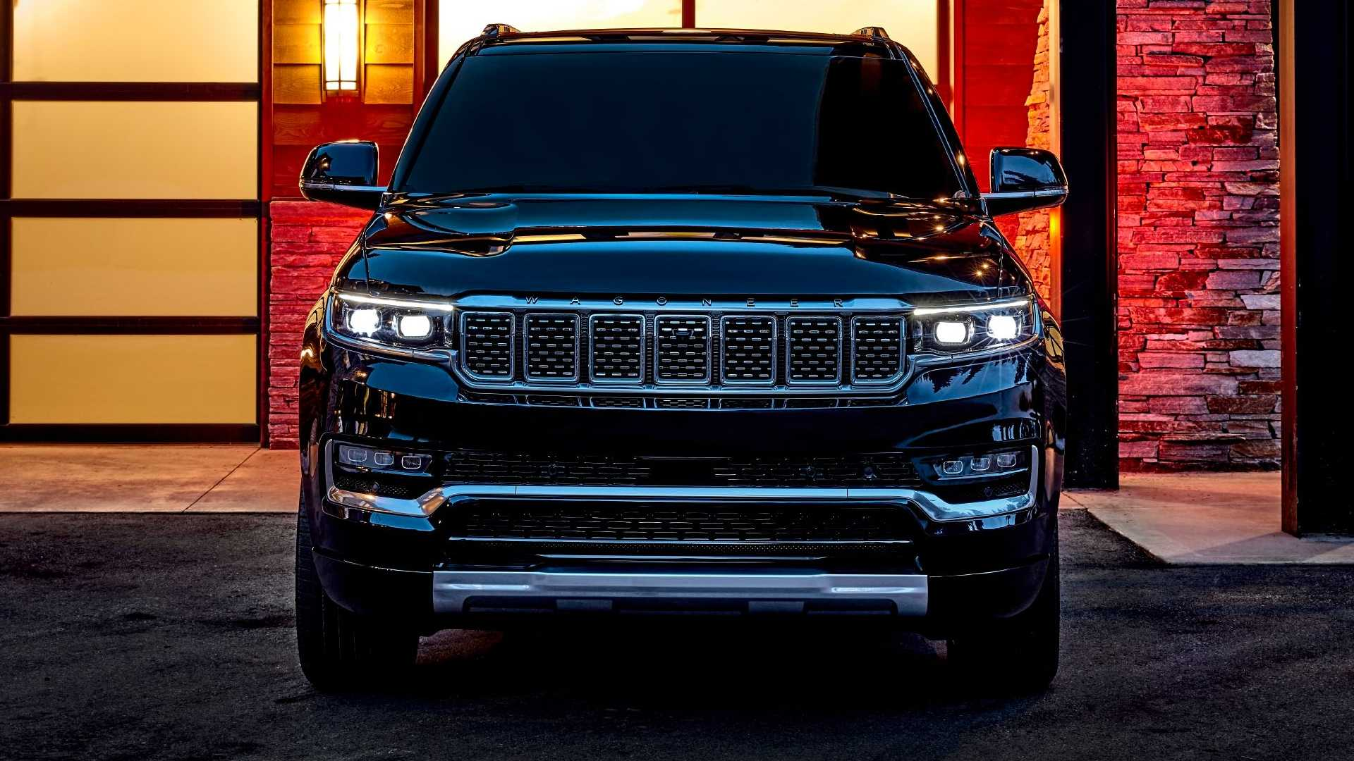 2022-jeep-grand-wagoneer-exterior-front-view