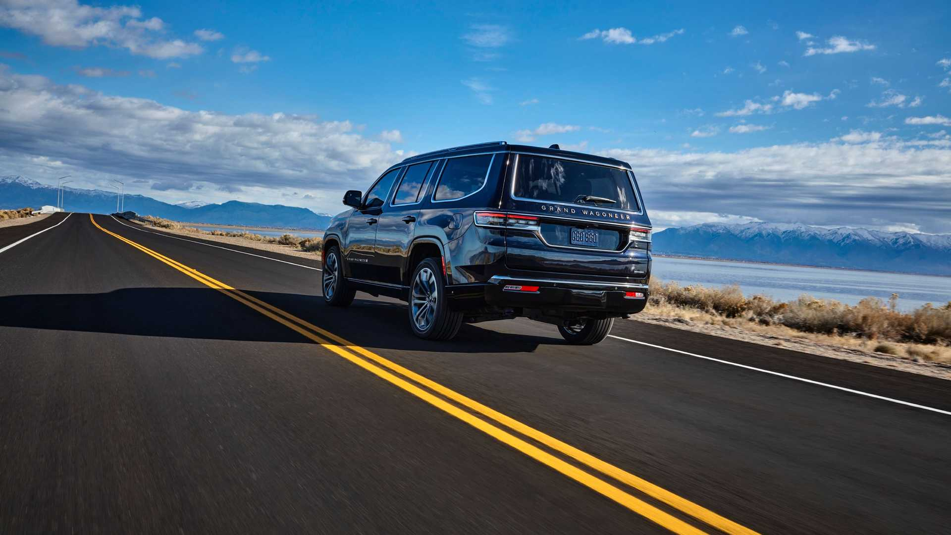2022-jeep-grand-wagoneer-exterior-rear-quarter-6