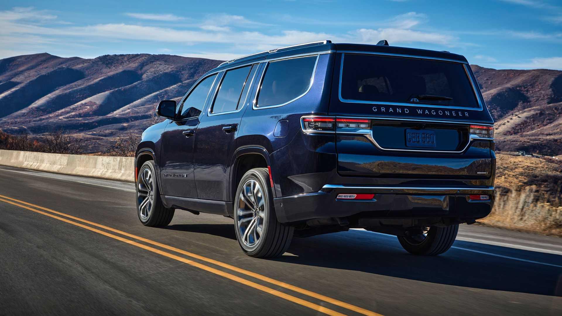 2022-jeep-grand-wagoneer-exterior-rear-quarter-7