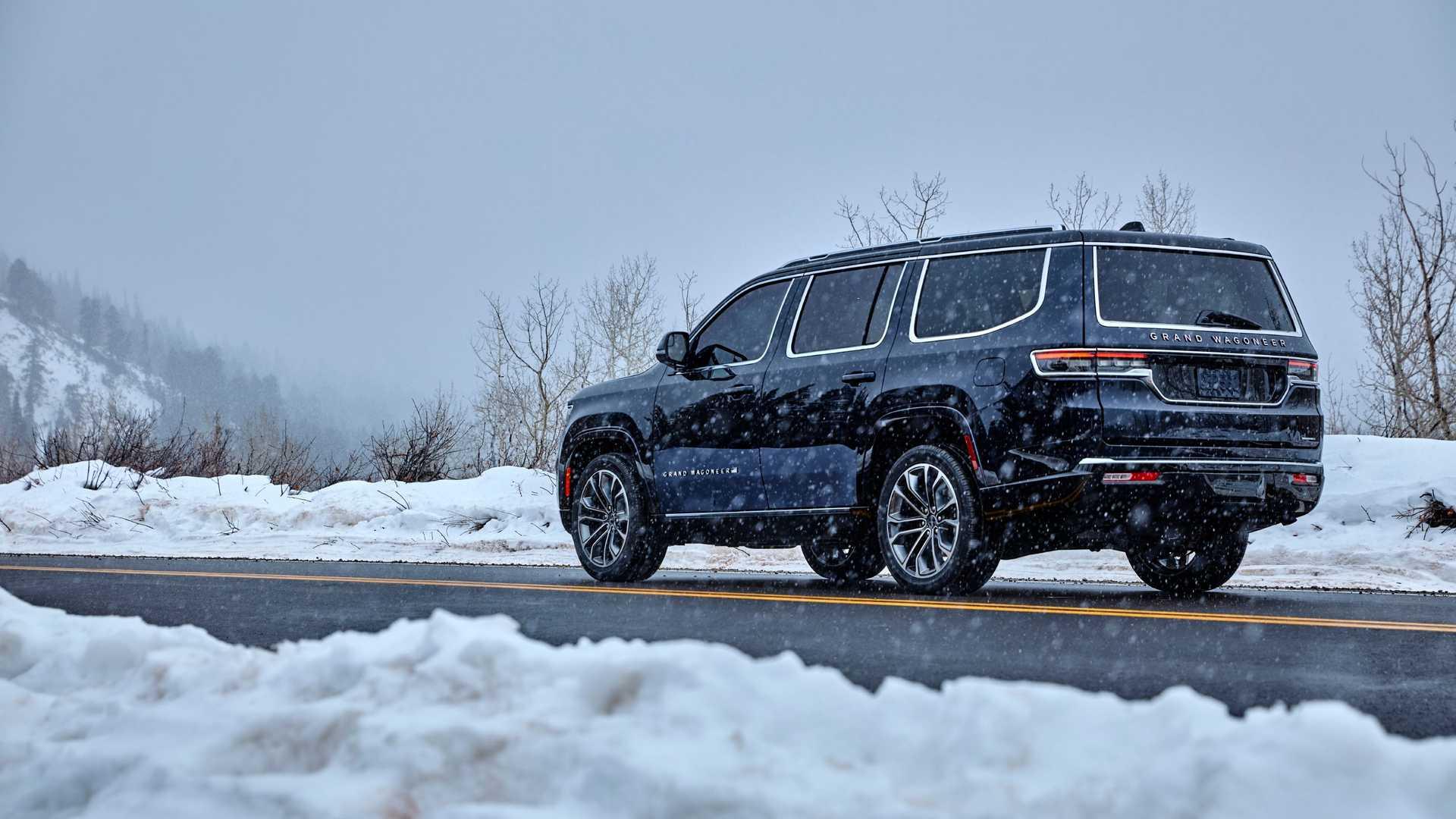 2022-jeep-grand-wagoneer-exterior-rear-quarter-9