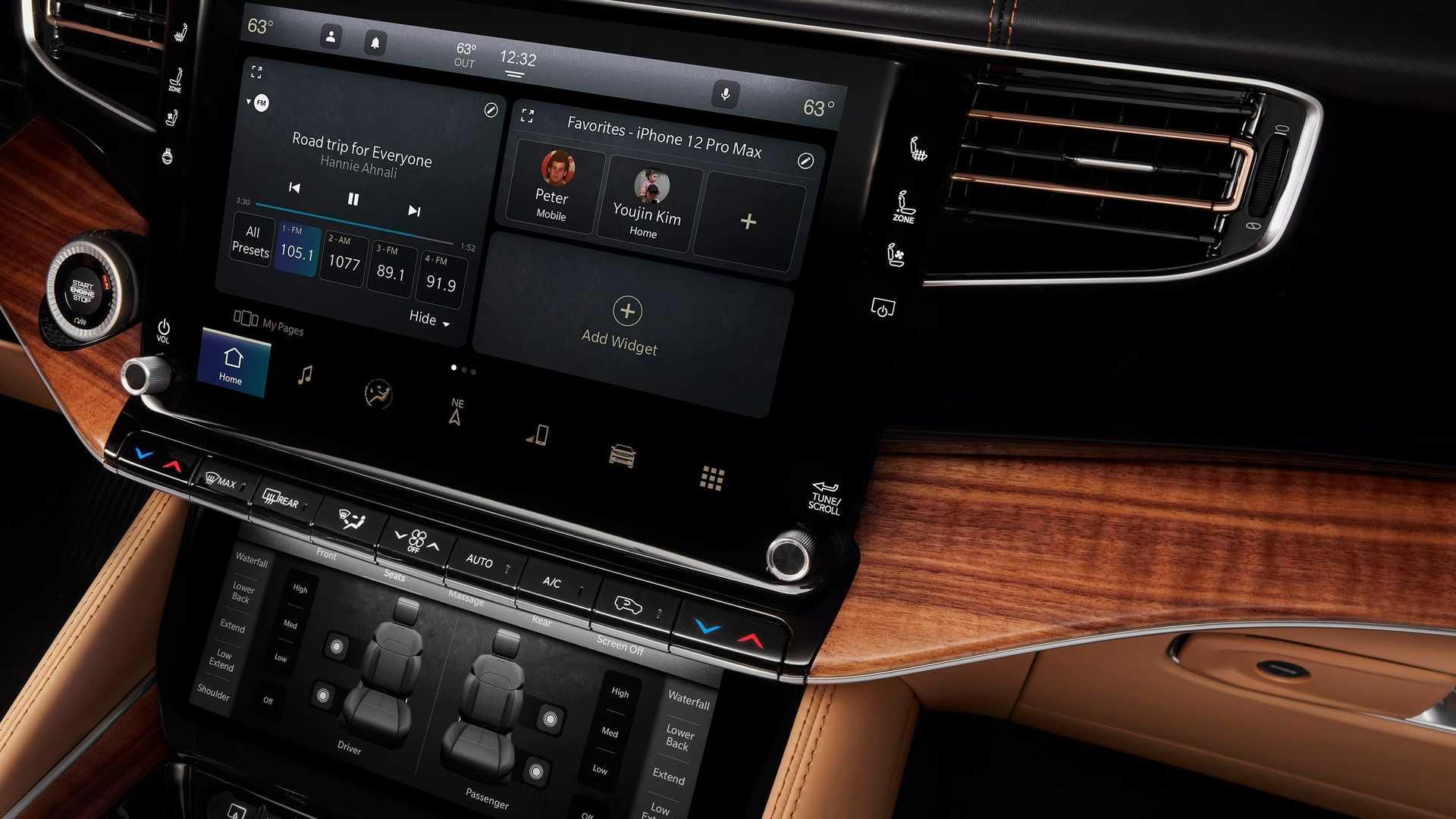 2022-jeep-grand-wagoneer-interior-infotainment