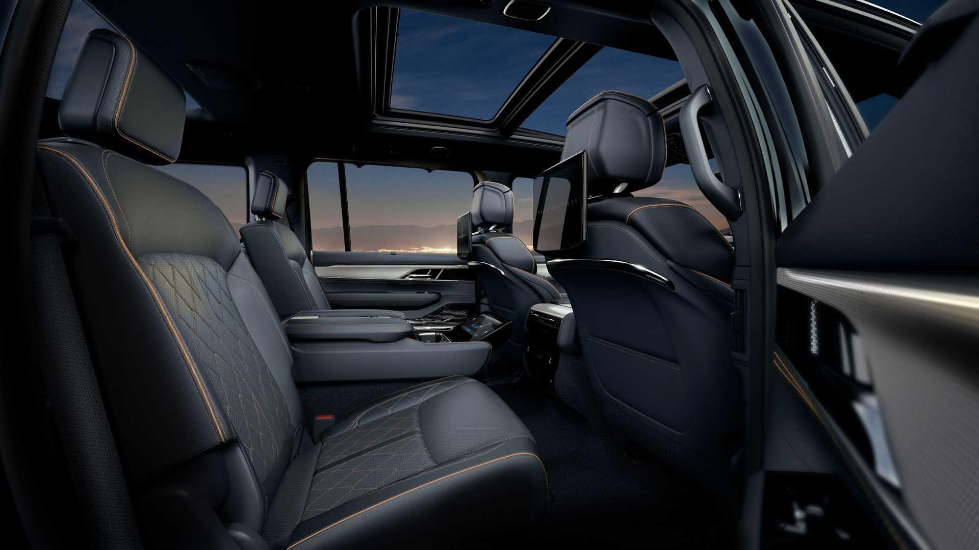 2022-jeep-grand-wagoneer-interior-second-row-1