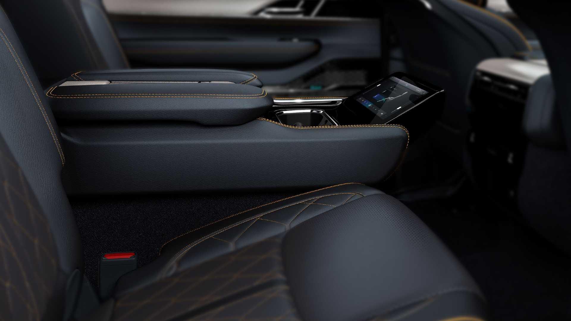 2022-jeep-grand-wagoneer-interior-second-row