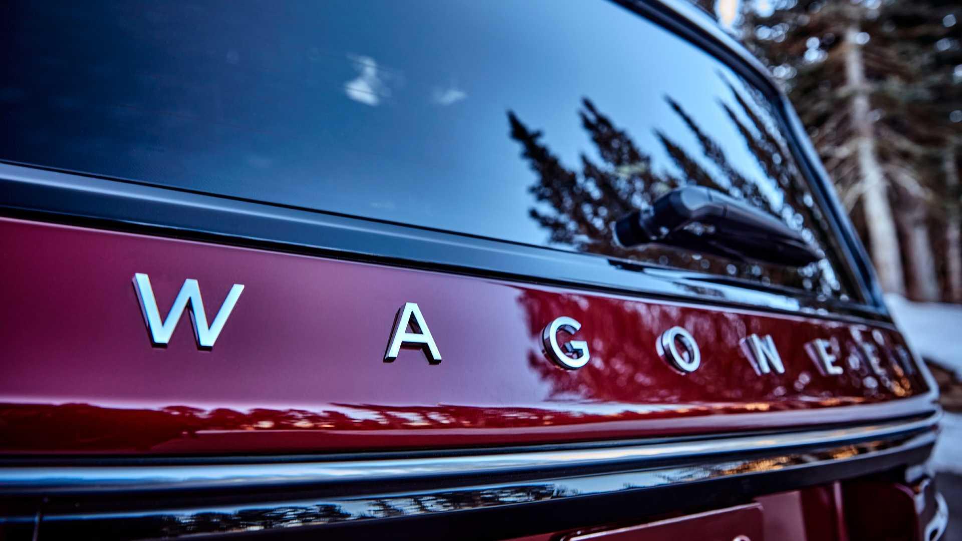 2022-jeep-wagoneer-exterior-badging-1
