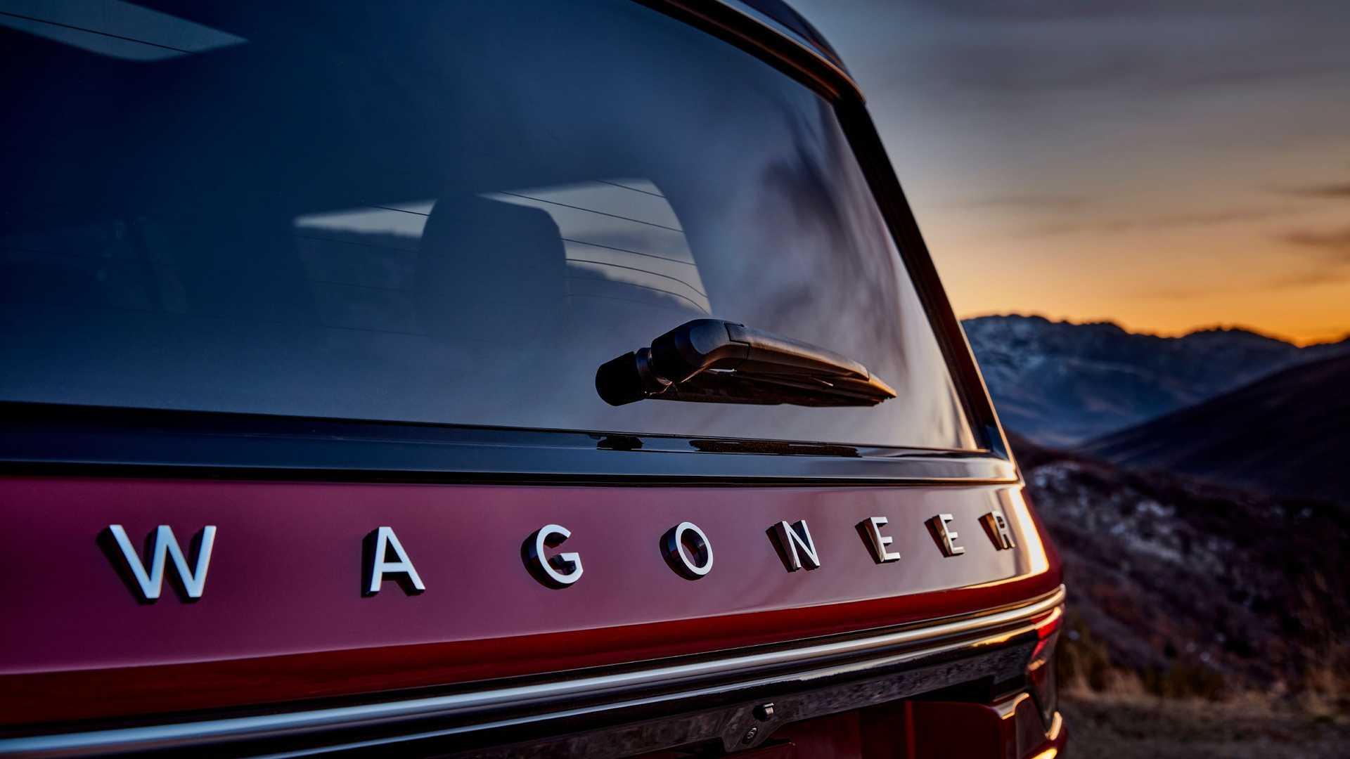 2022-jeep-wagoneer-exterior-badging-2