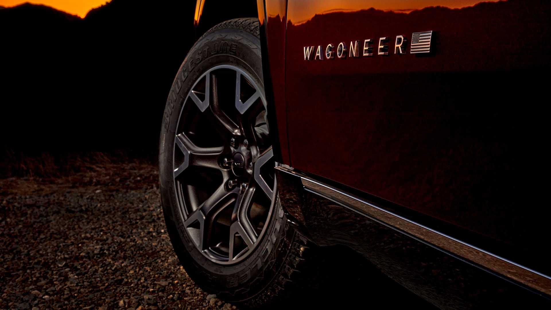 2022-jeep-wagoneer-exterior-badging-5