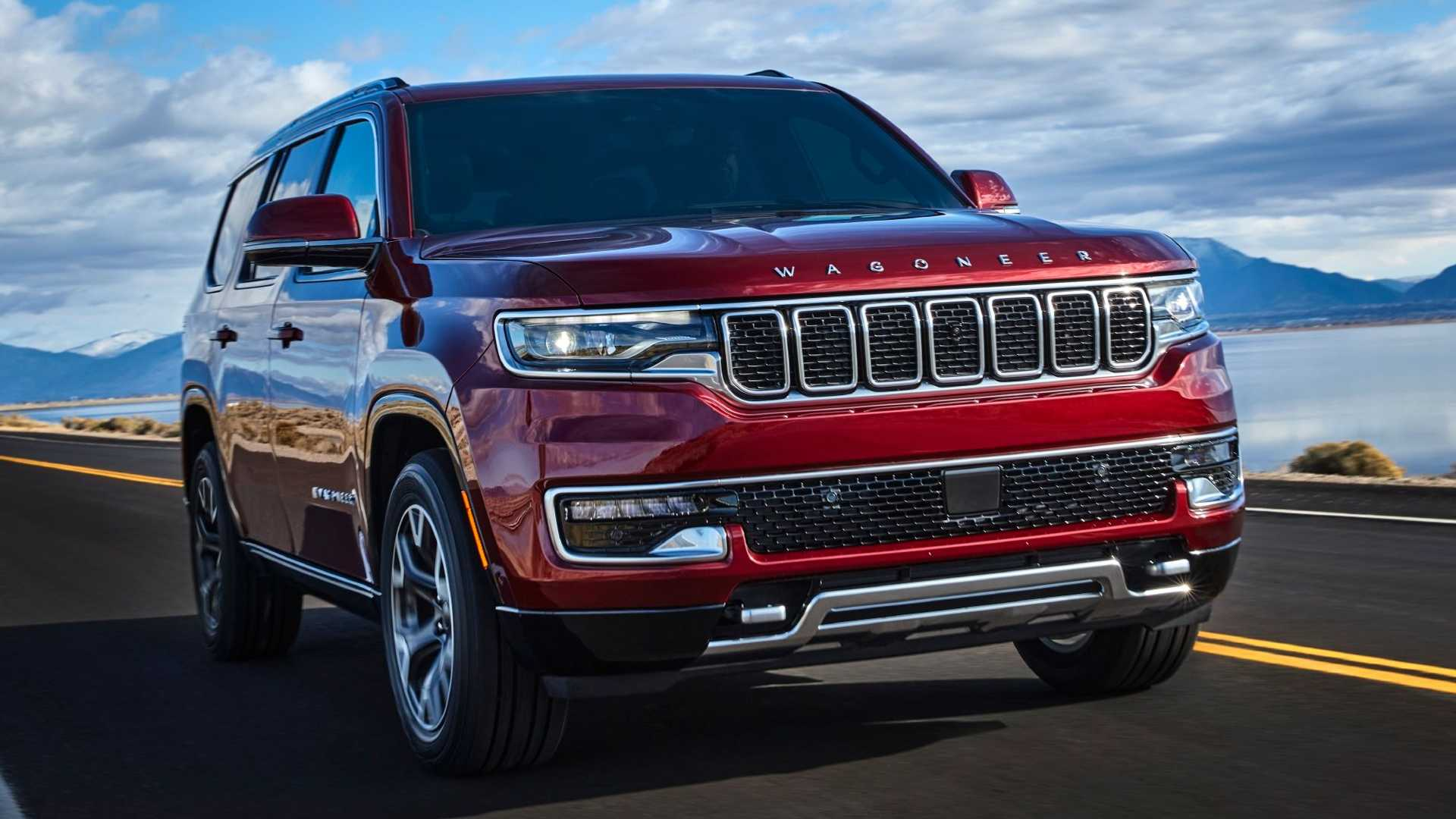 2022-jeep-wagoneer-exterior-front-quarter-13