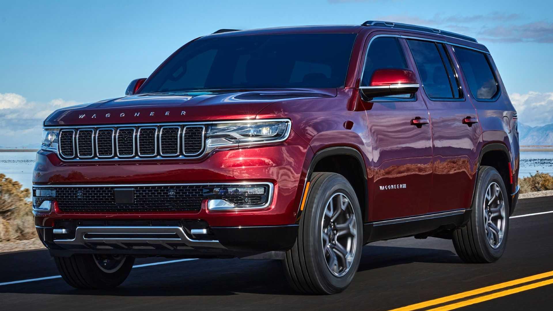 2022-jeep-wagoneer-exterior-front-quarter-15