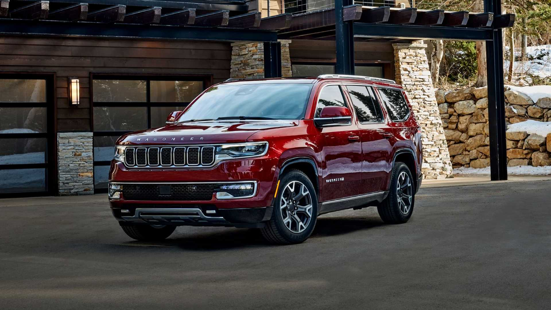 2022-jeep-wagoneer-exterior-front-quarter-4