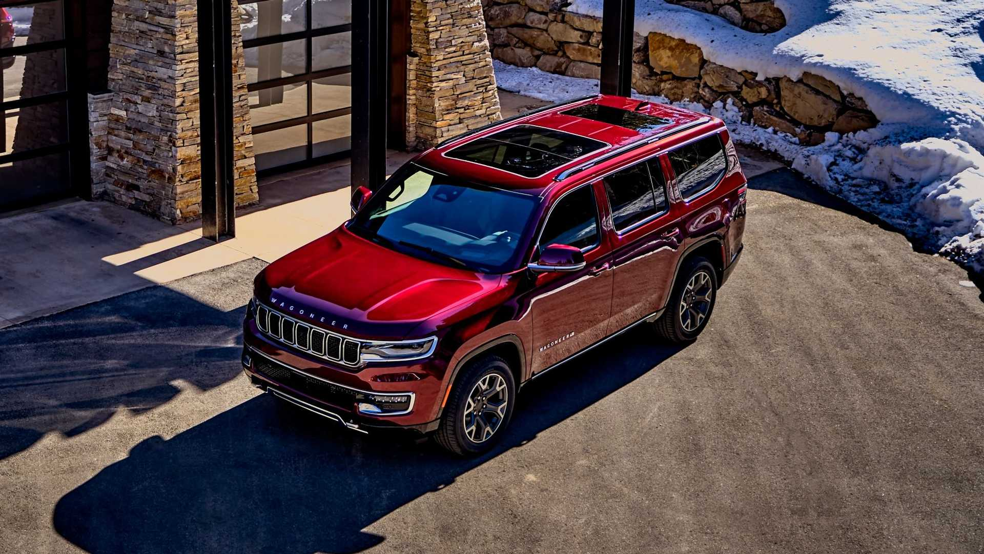 2022-jeep-wagoneer-exterior-front-quarter-5