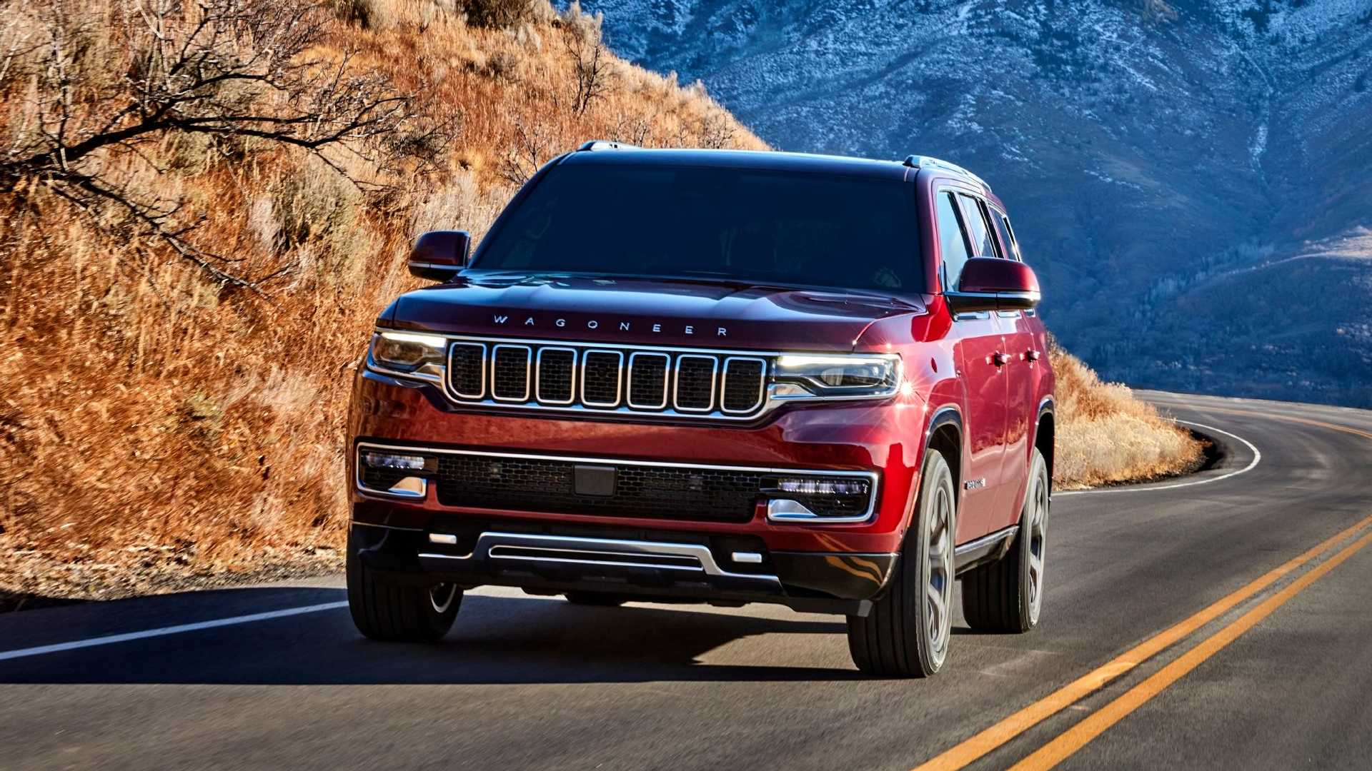 2022-jeep-wagoneer-exterior-front-quarter-8