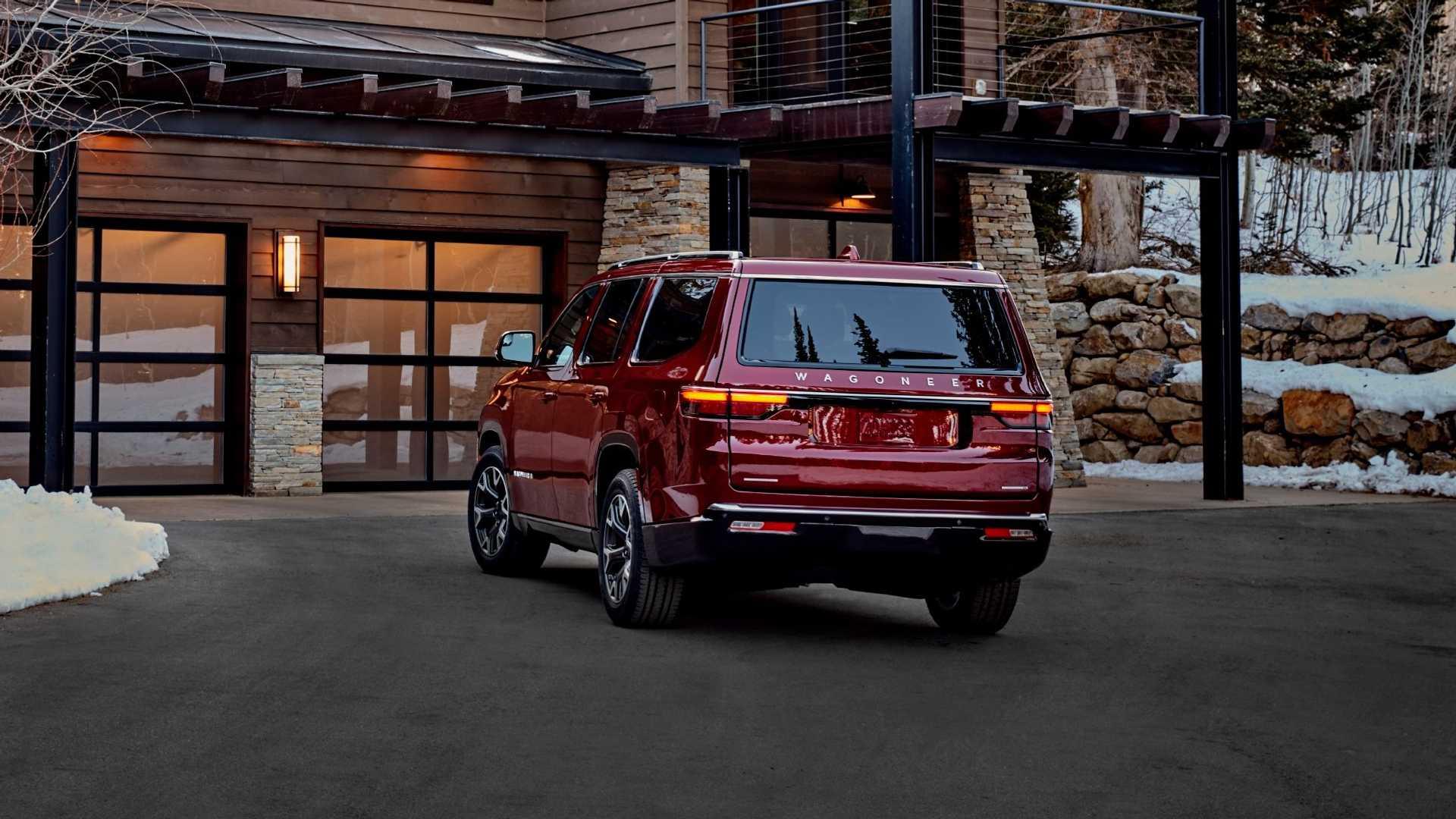 2022-jeep-wagoneer-exterior-rear-quarter-1