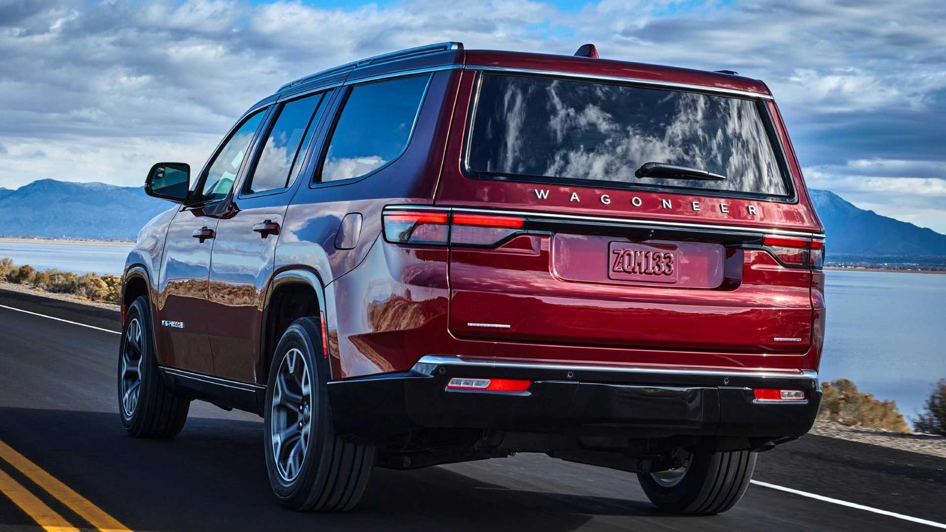 2022-jeep-wagoneer-exterior-rear-quarter-8