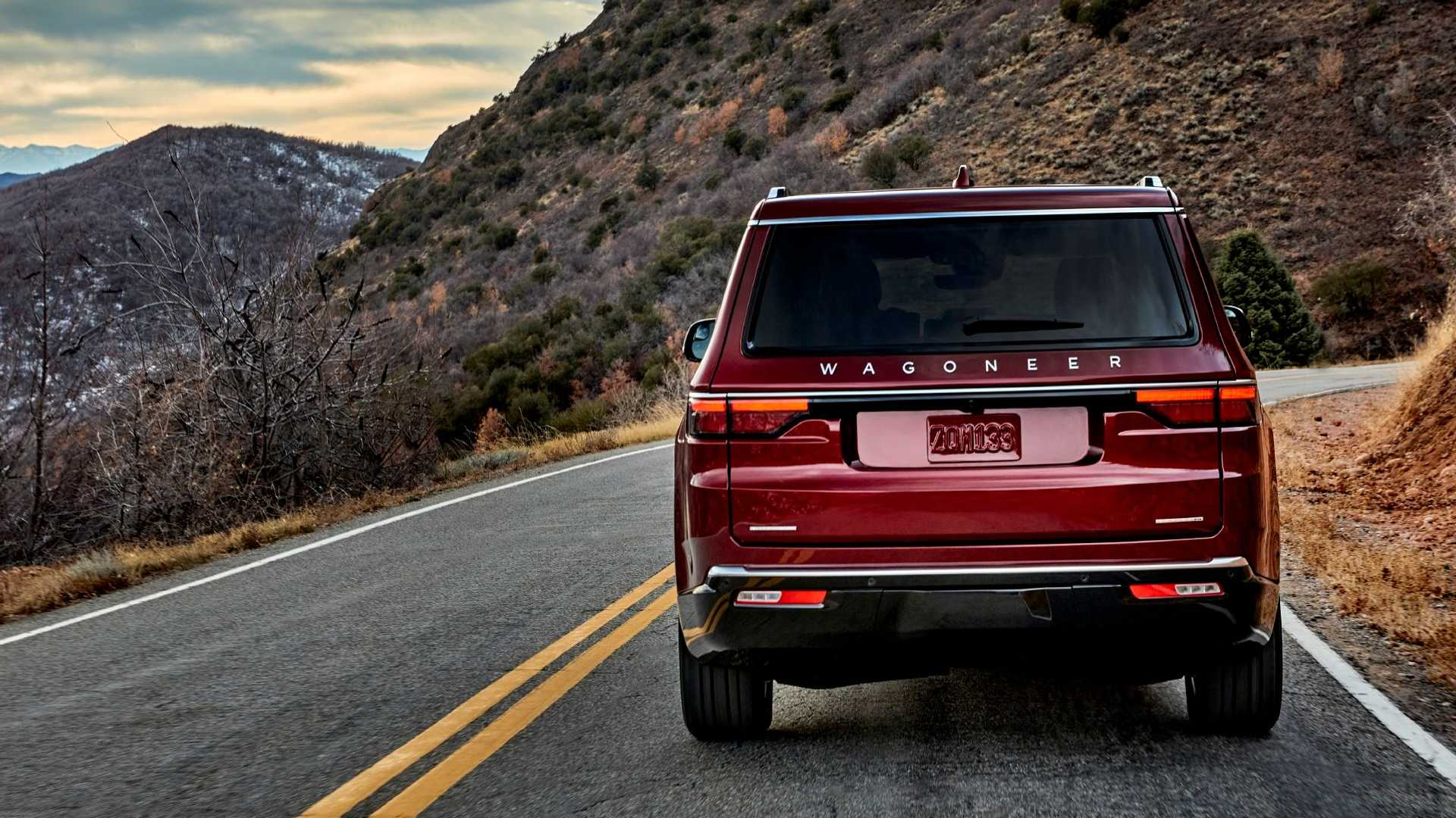 2022-jeep-wagoneer-exterior-rear-view-1