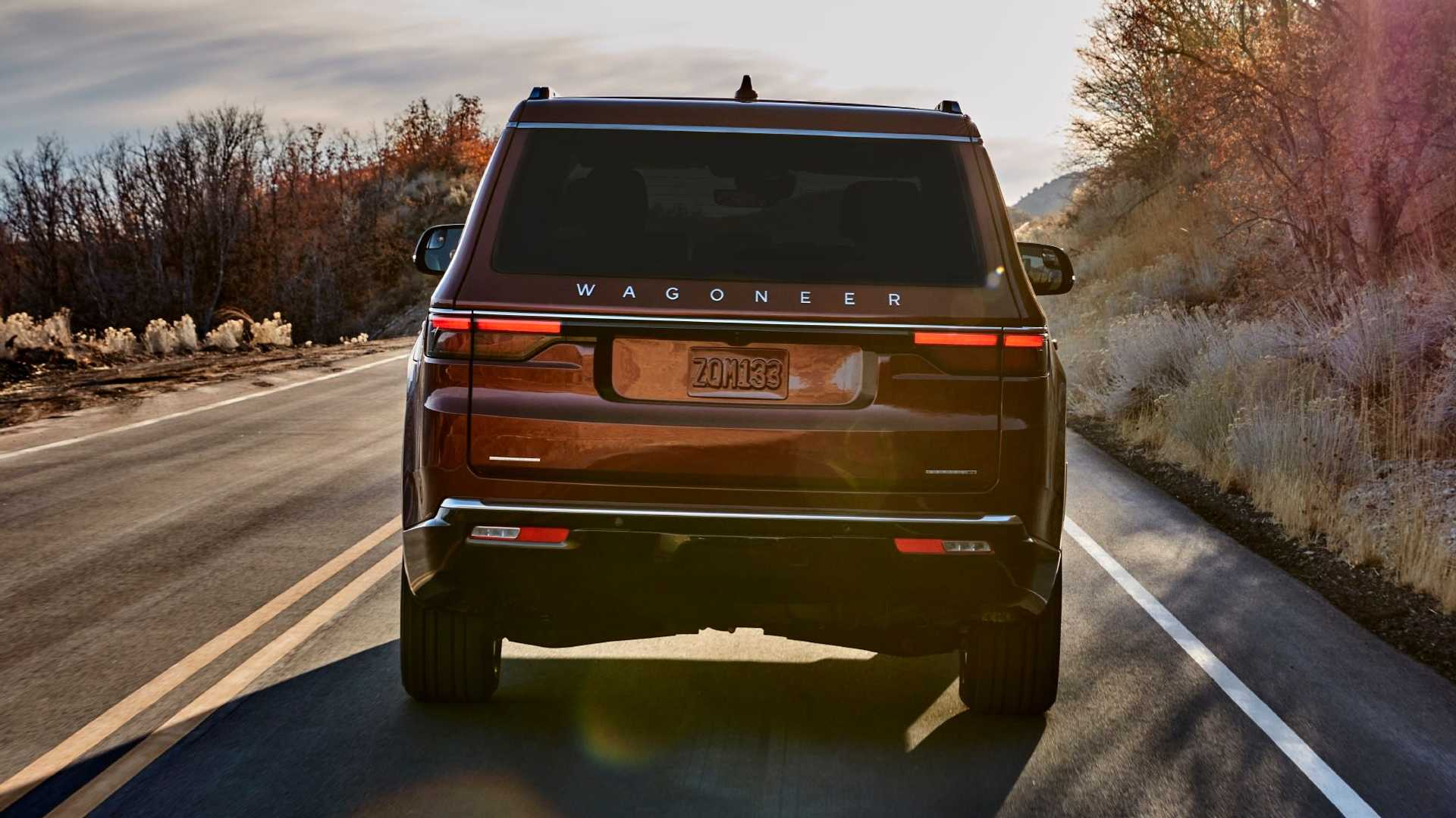 2022-jeep-wagoneer-exterior-rear-view
