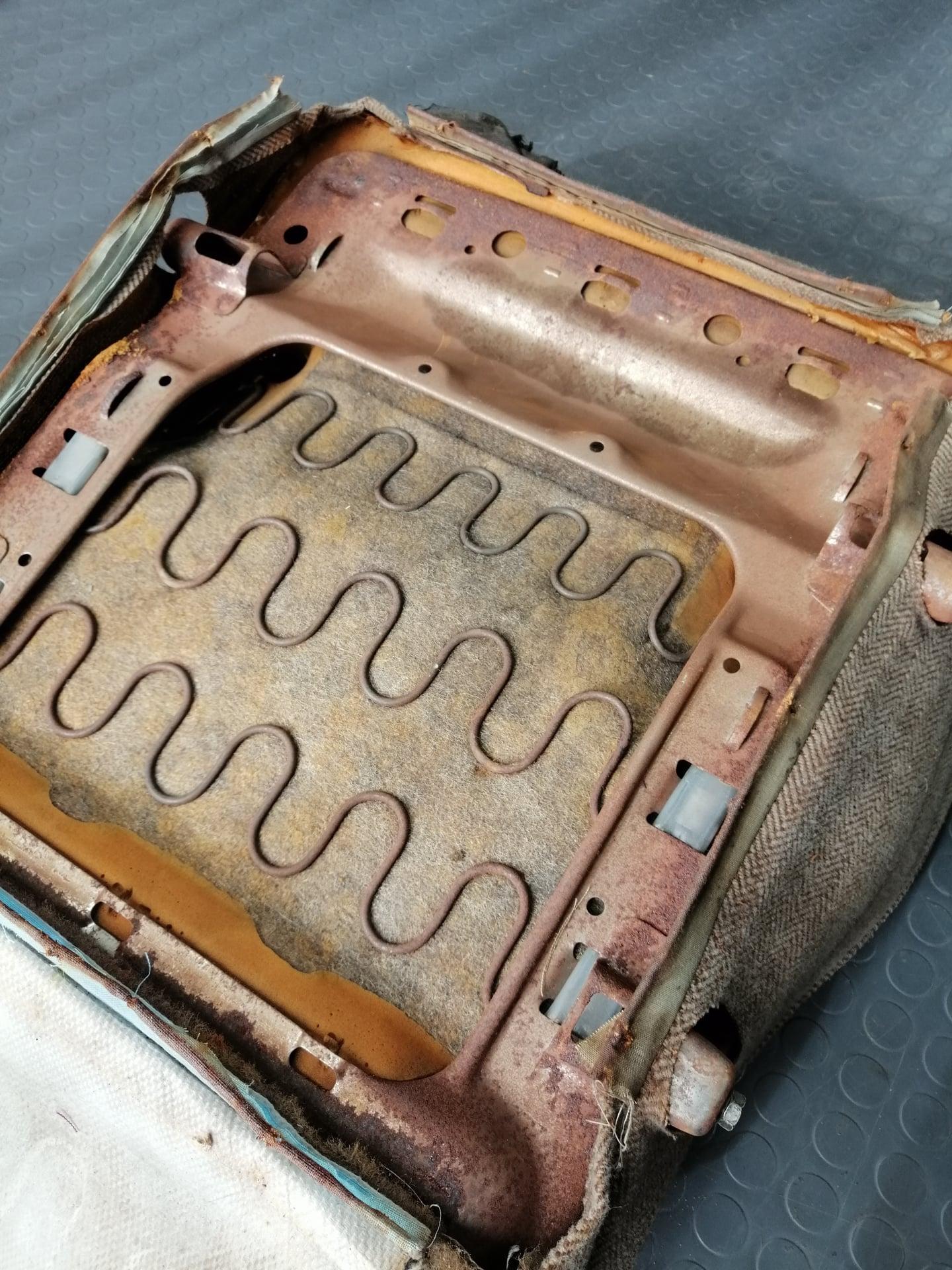 Lada-VAZ-2101-GB-Design-24