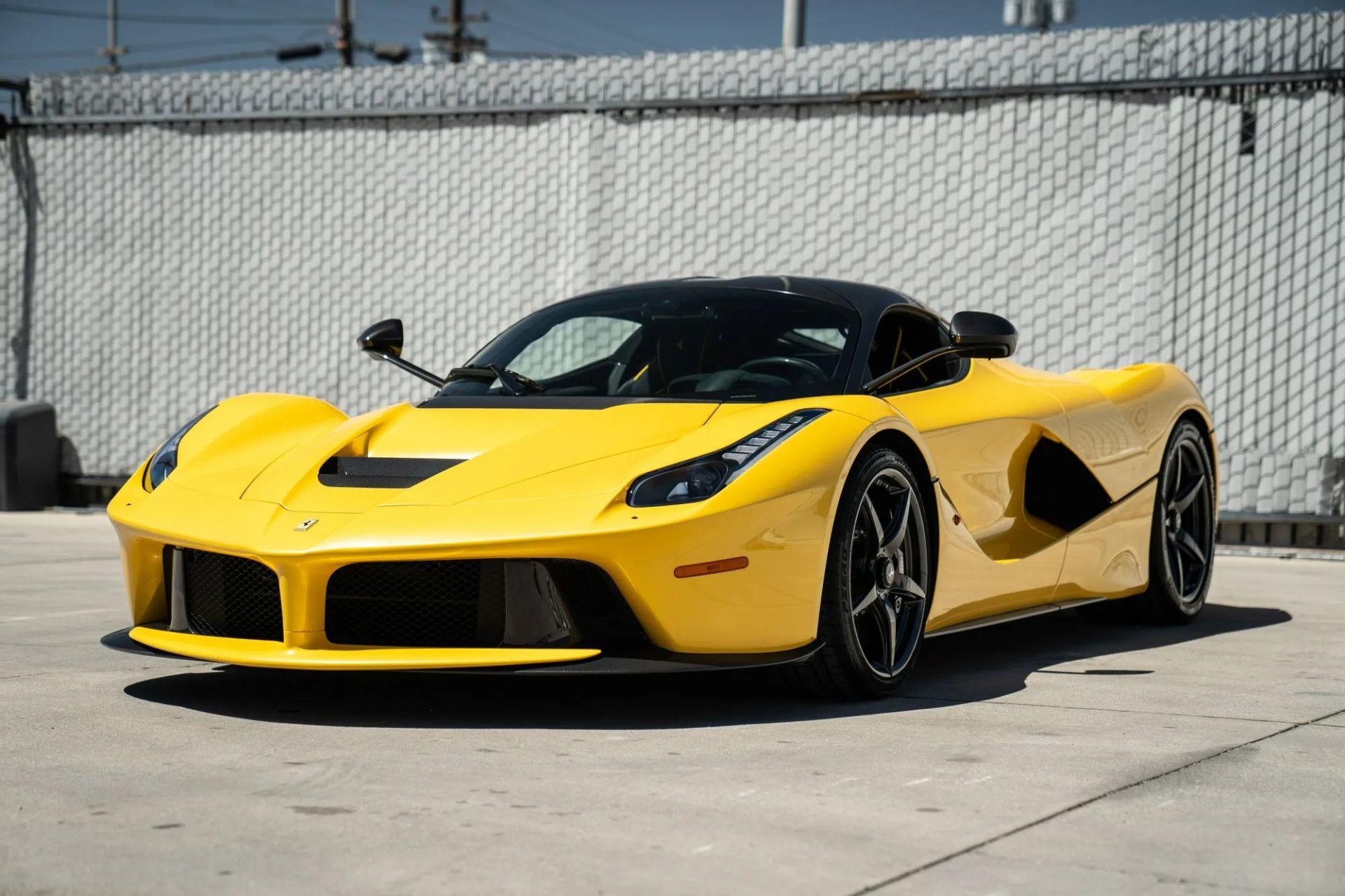 2015-La-Ferrari-Giallo-Triplo-Strato-1