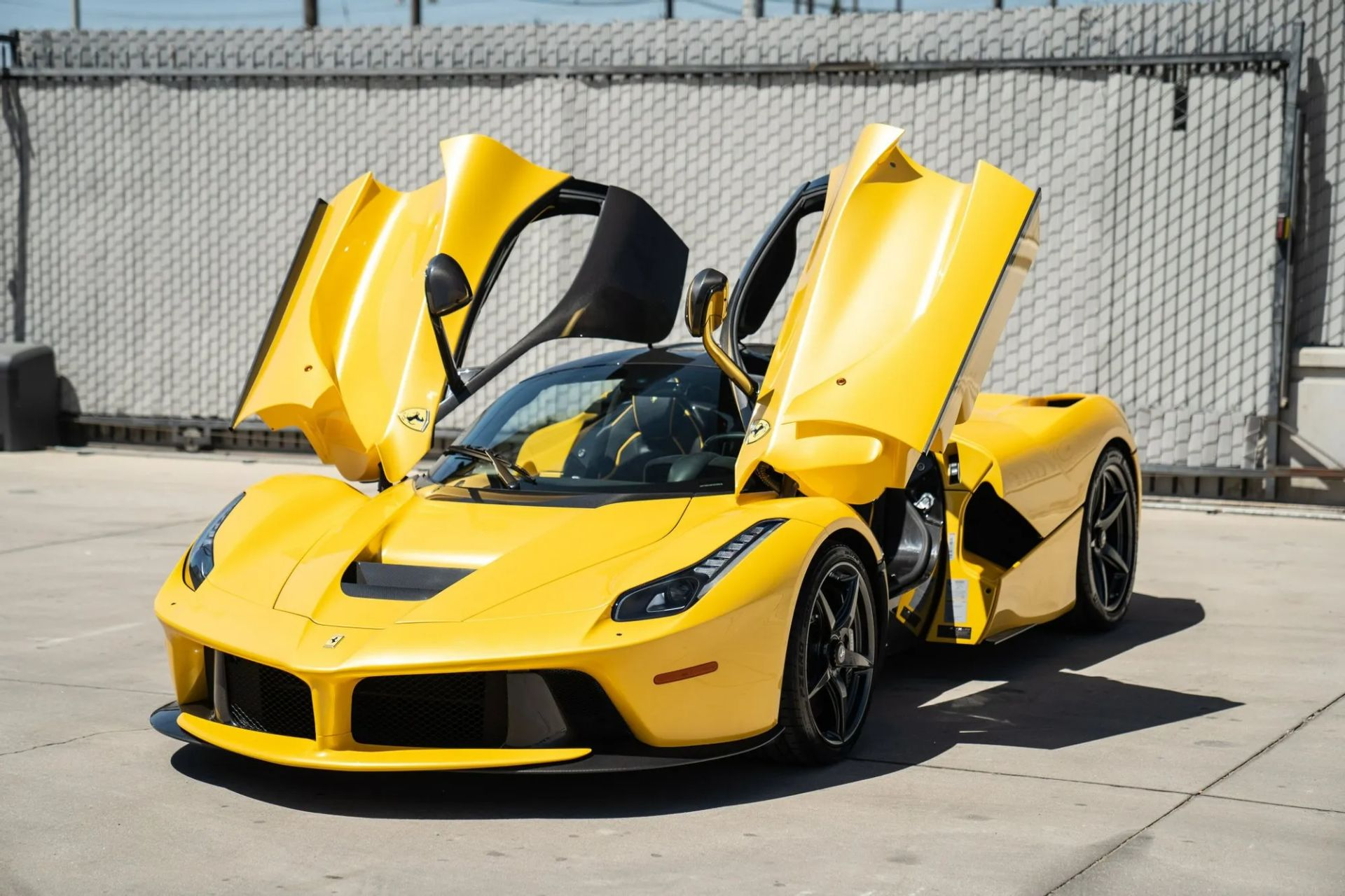 2015-La-Ferrari-Giallo-Triplo-Strato-10