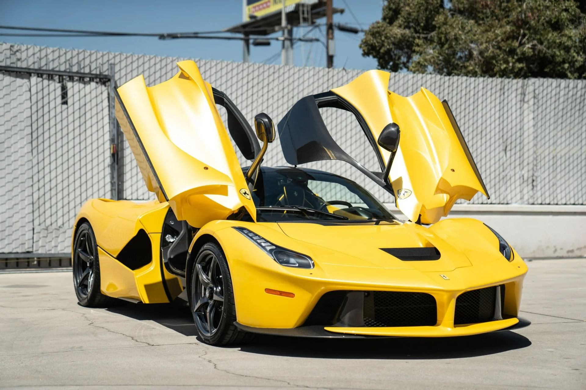 2015-La-Ferrari-Giallo-Triplo-Strato-11
