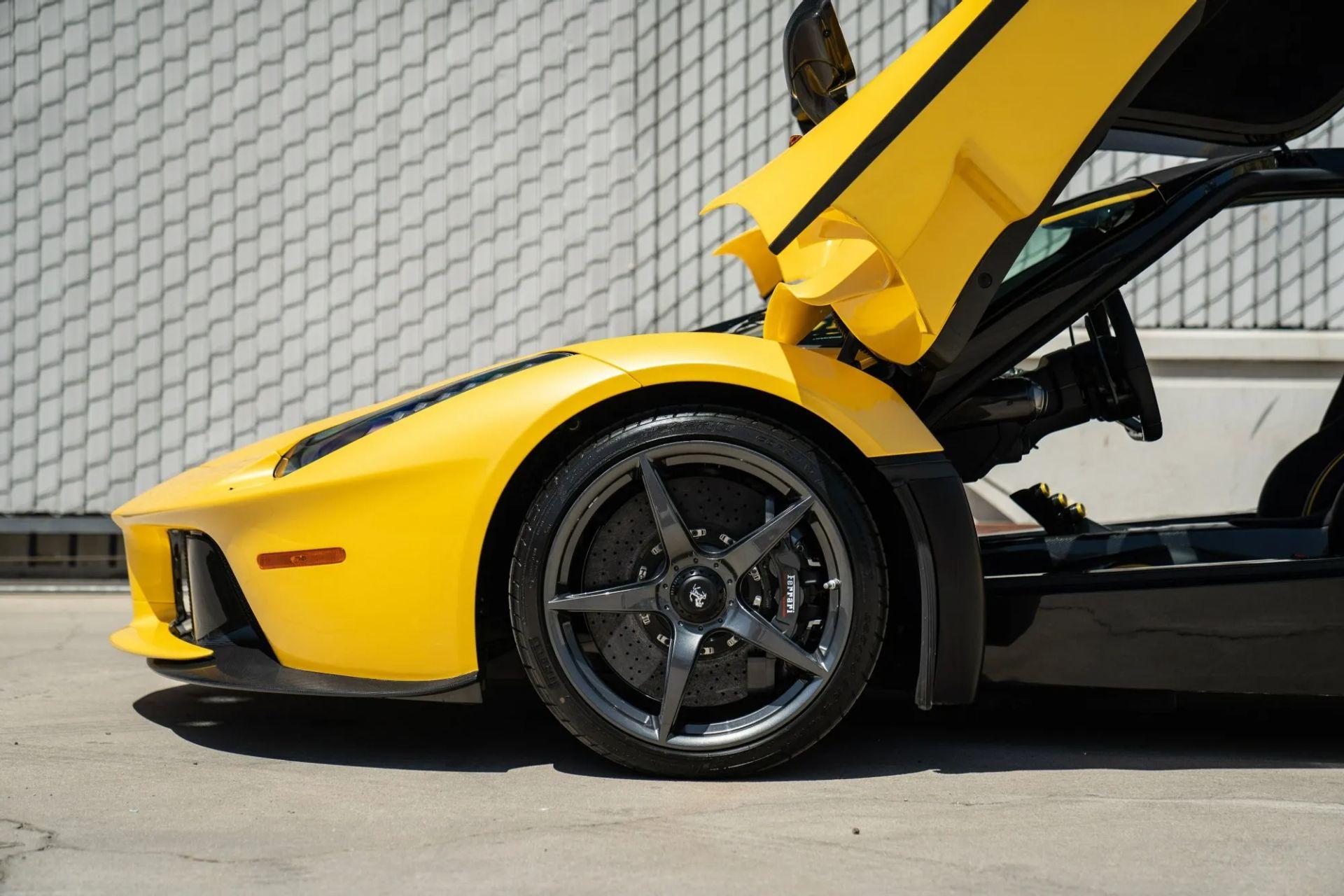2015-La-Ferrari-Giallo-Triplo-Strato-4