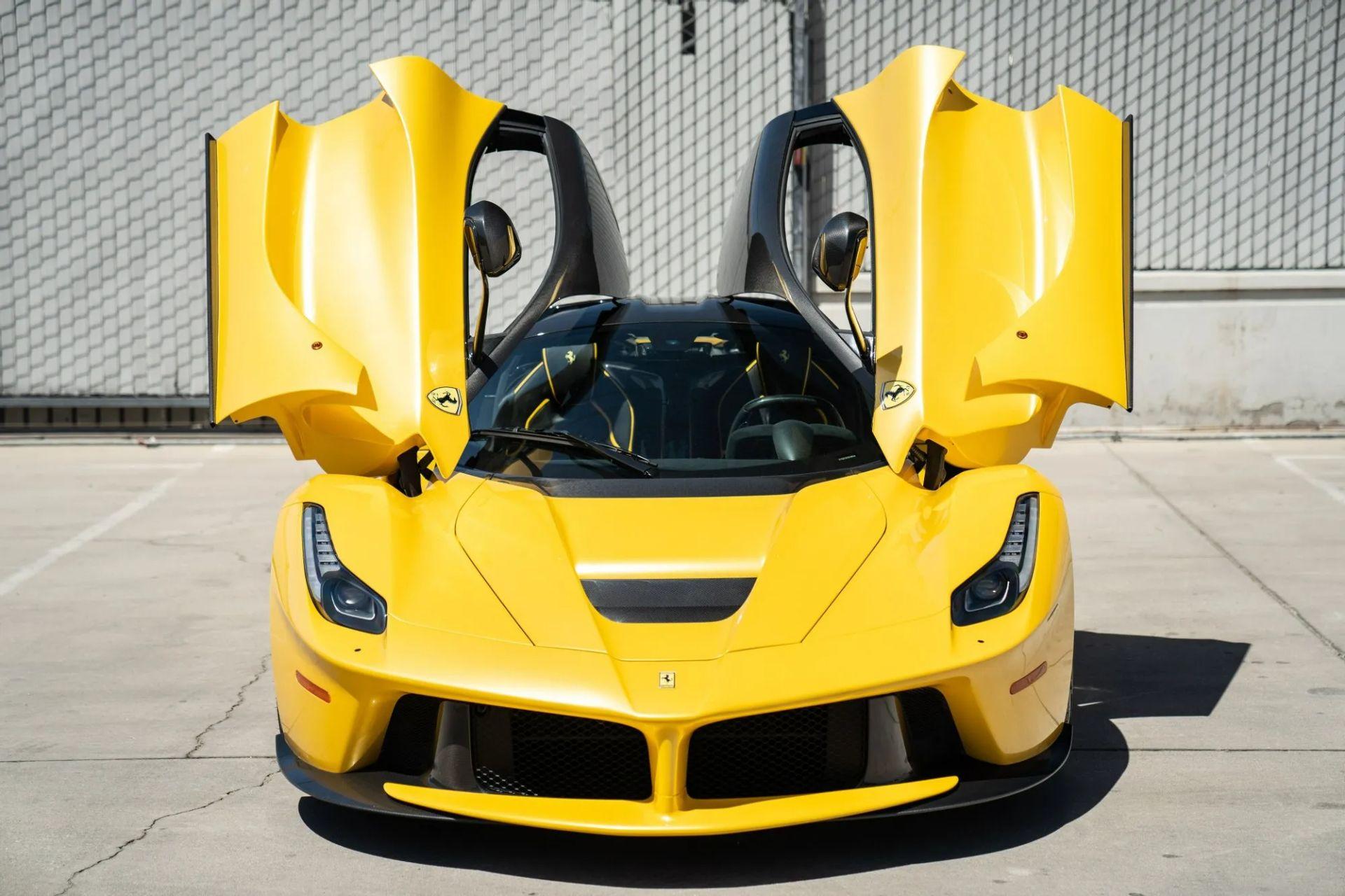 2015-La-Ferrari-Giallo-Triplo-Strato-9