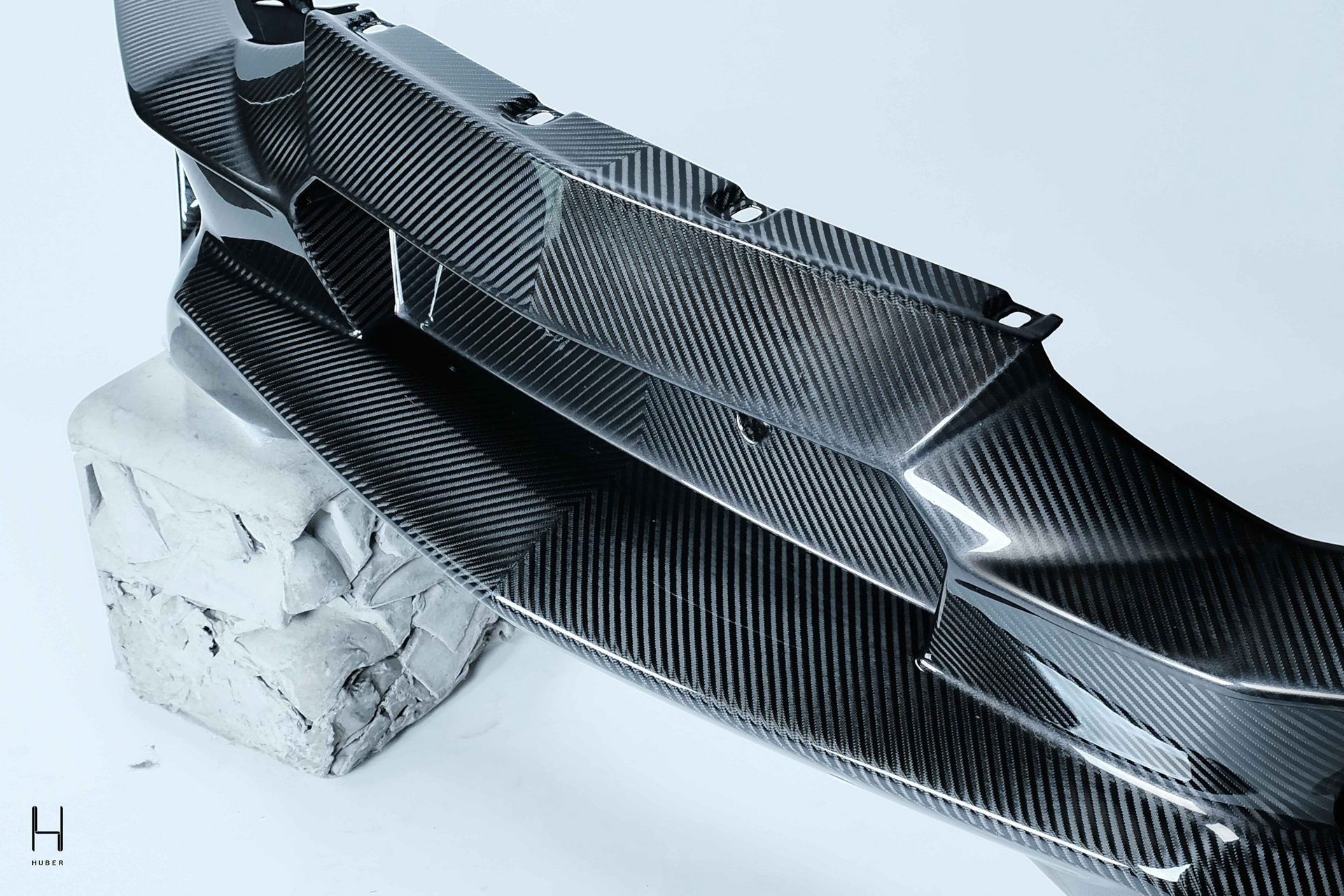 Lamborghini-Aventador-by-Huber-13