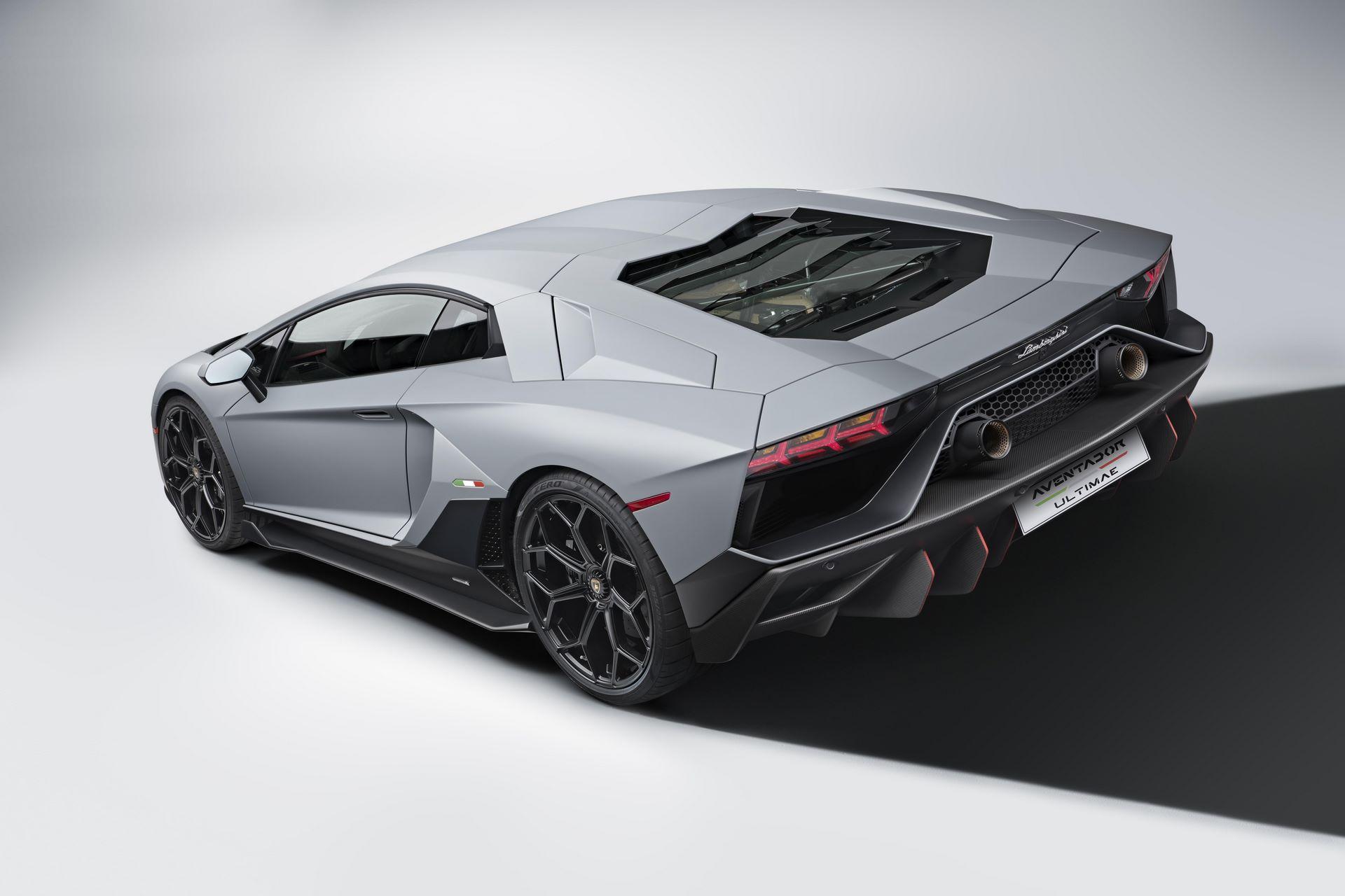 Lamborghini-Aventador-LP780-4-Ultimae-29