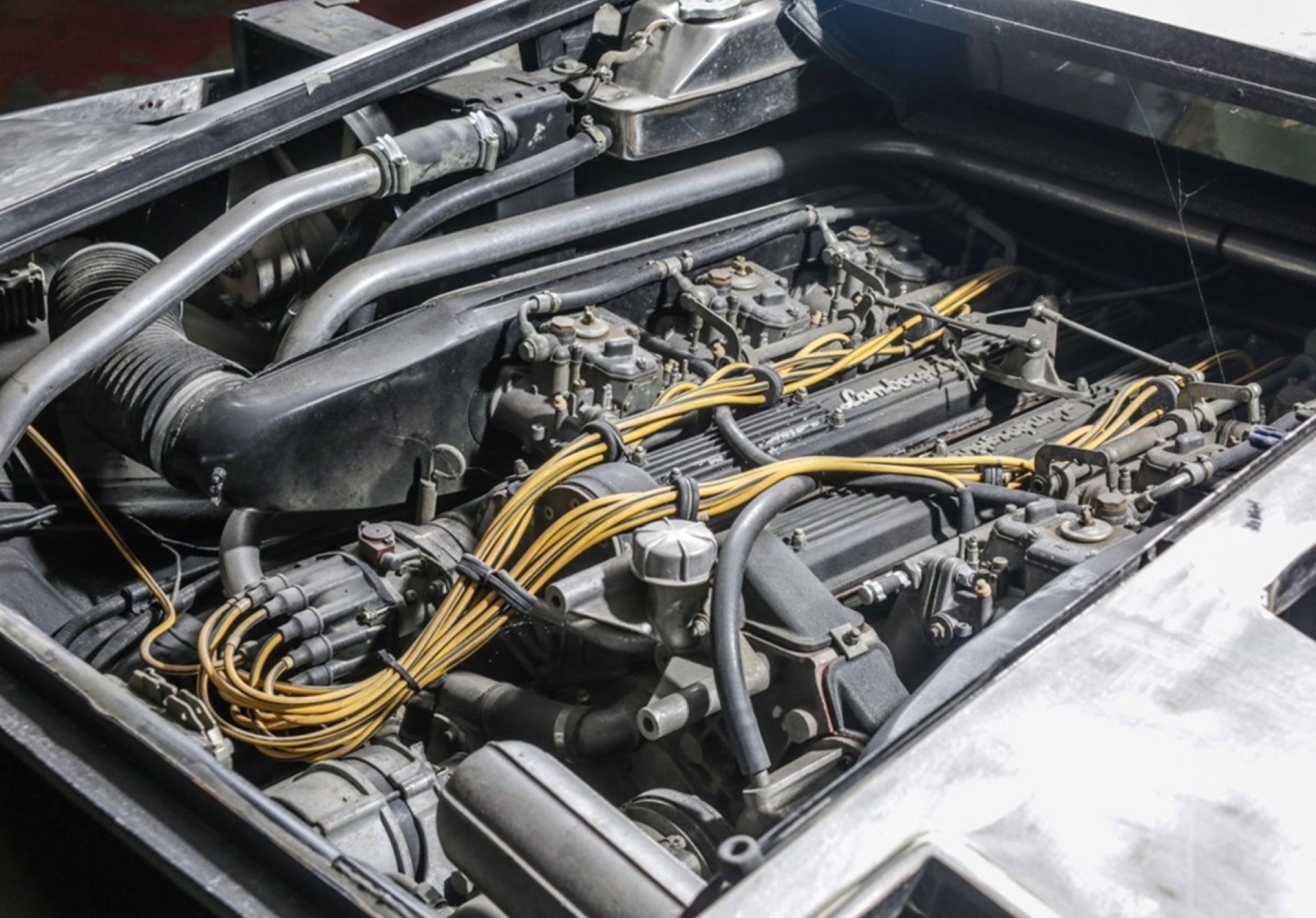 Lamborghini-Countach-5000S-auction-10