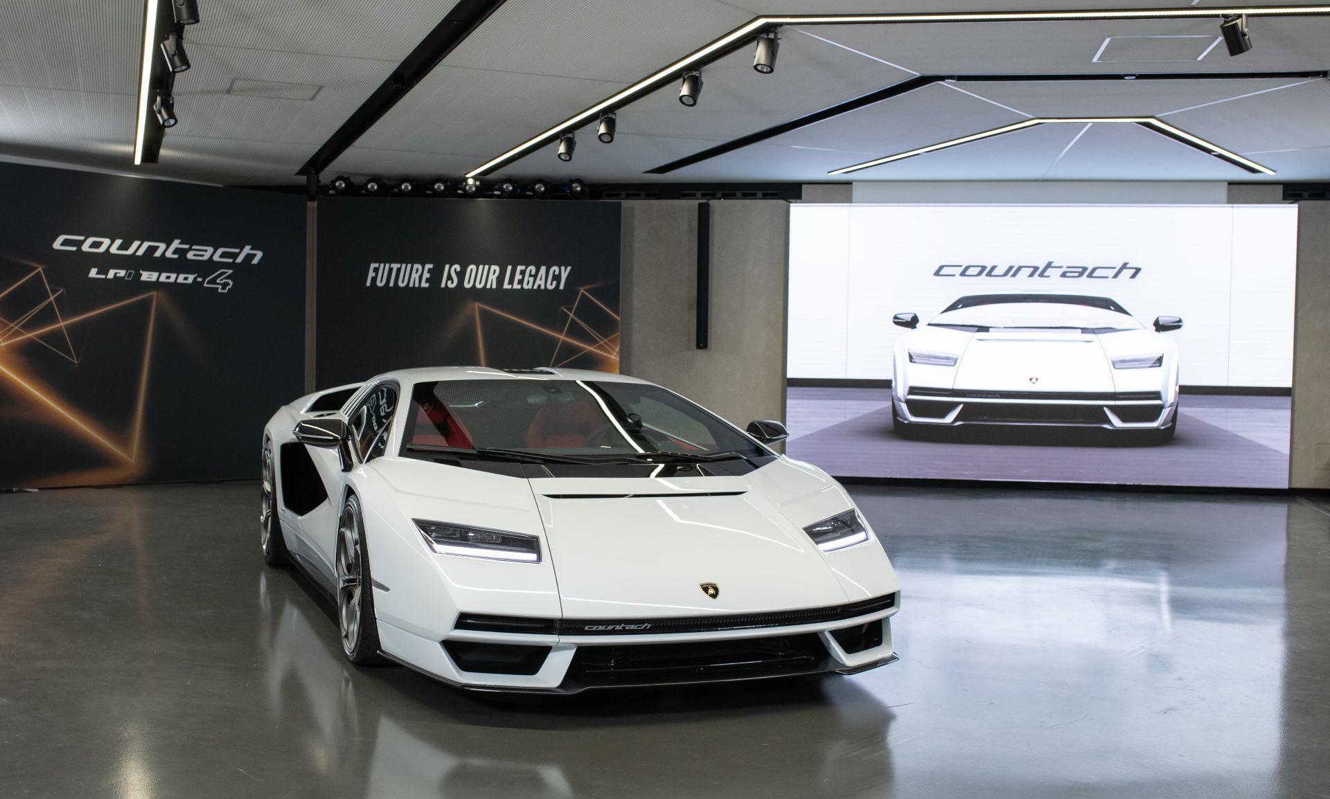 Lamborghini-Countach-LPI-800-4-1