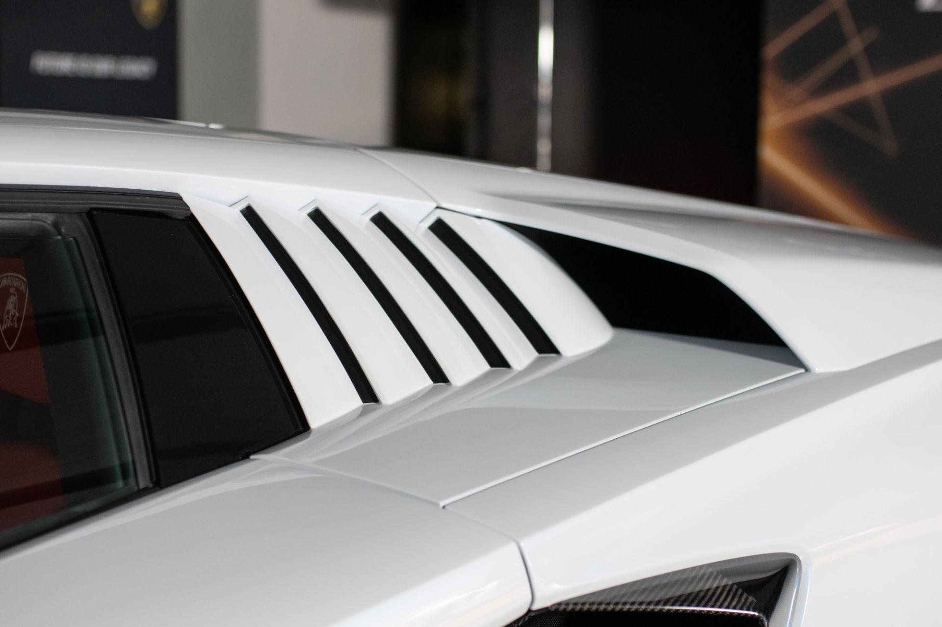 Lamborghini-Countach-LPI-800-4-12