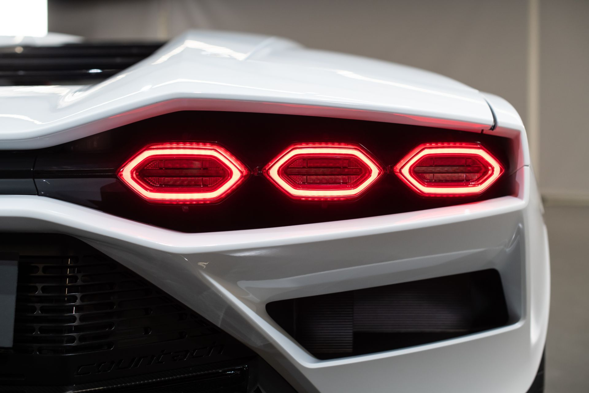 Lamborghini-Countach-LPI-800-4-17