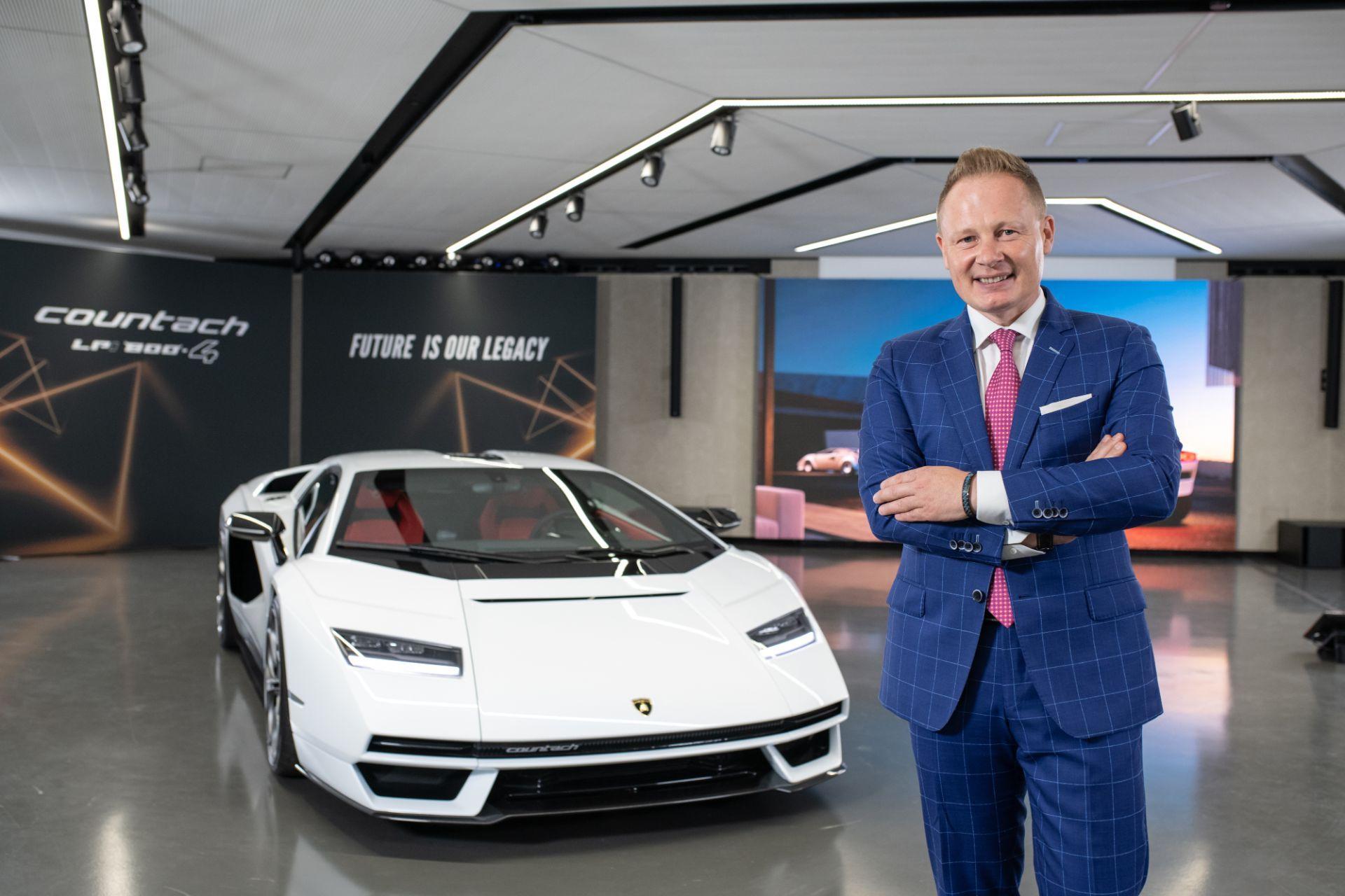 Lamborghini-Countach-LPI-800-4-20