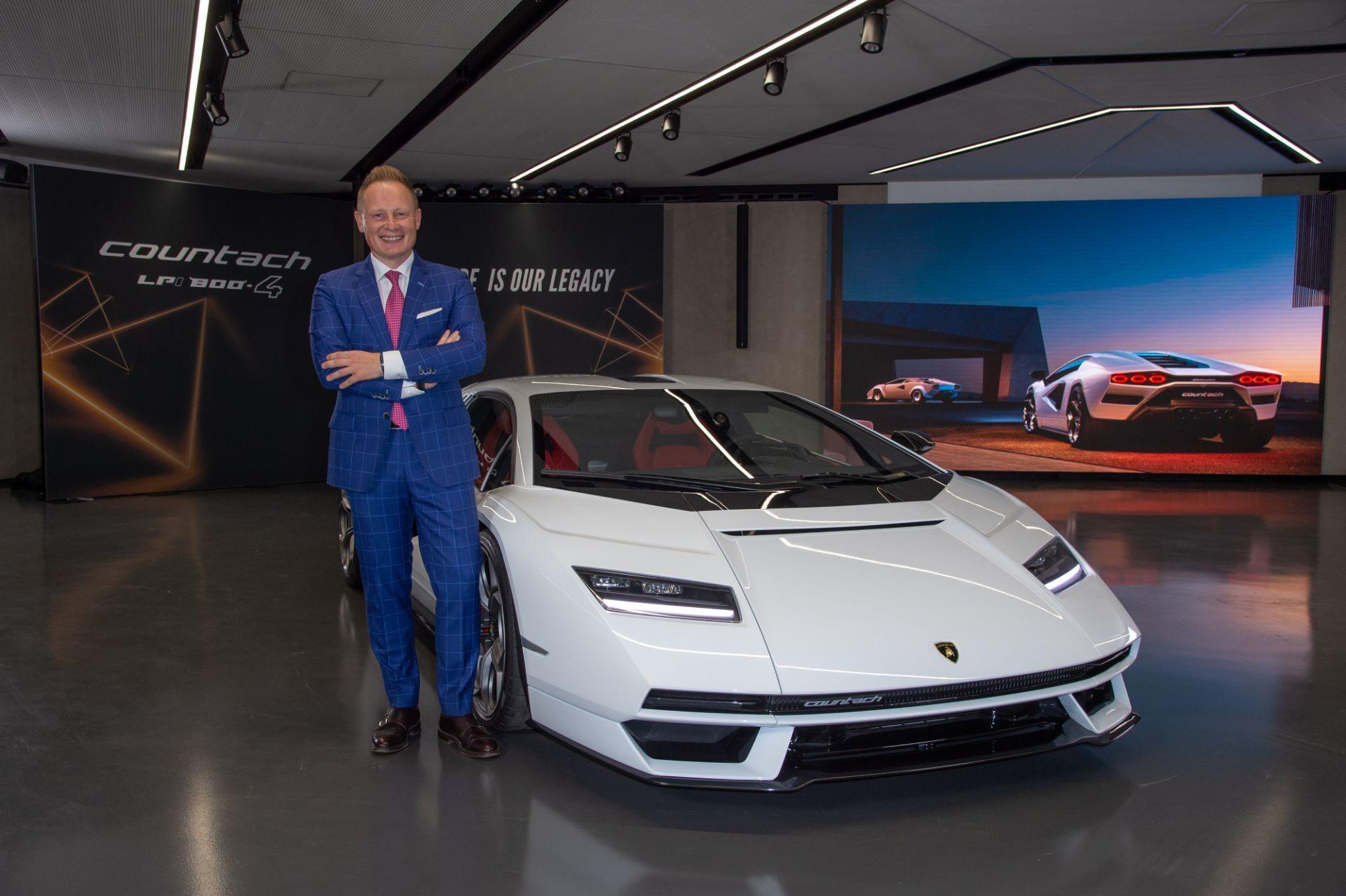 Lamborghini-Countach-LPI-800-4-22