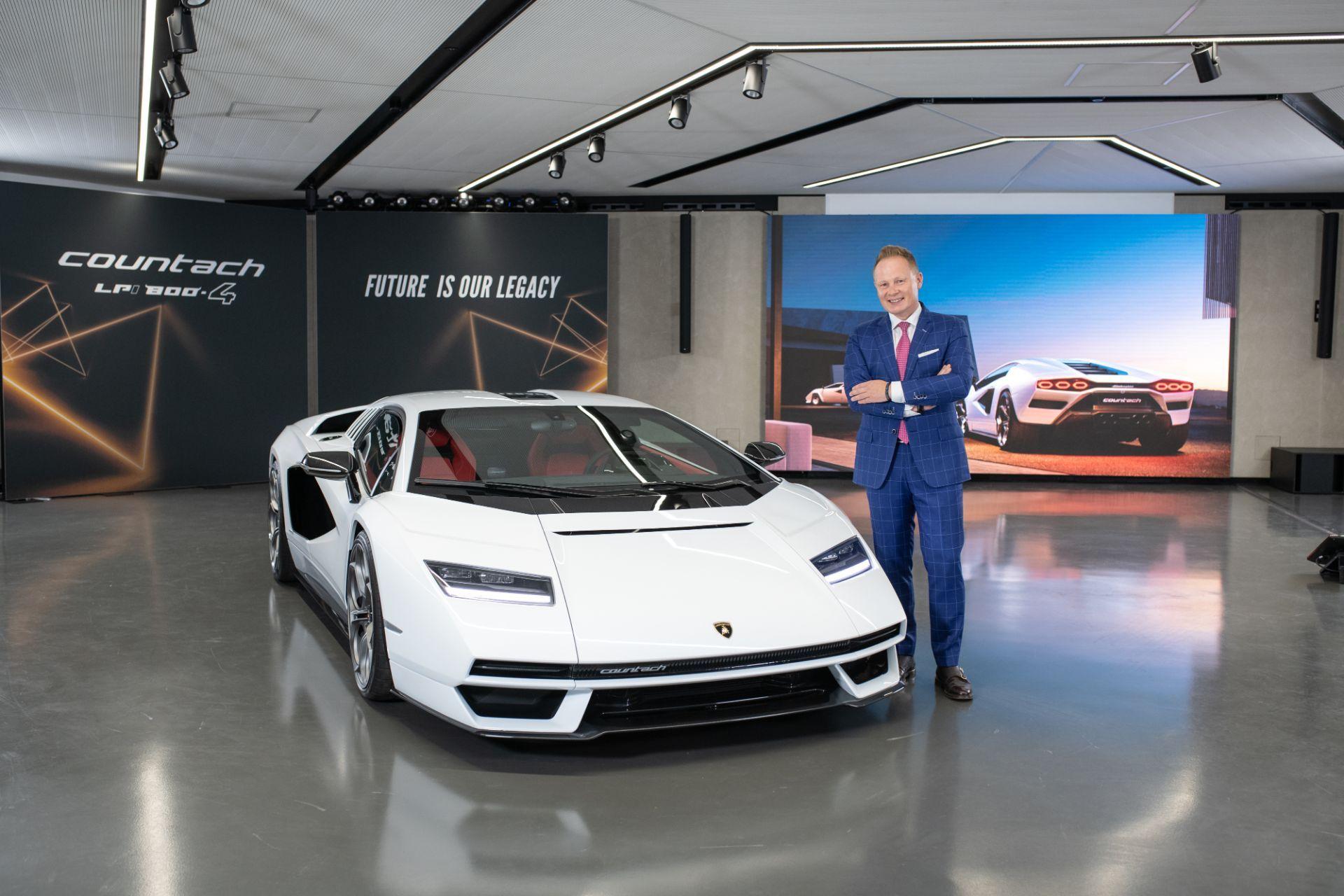 Lamborghini-Countach-LPI-800-4-23