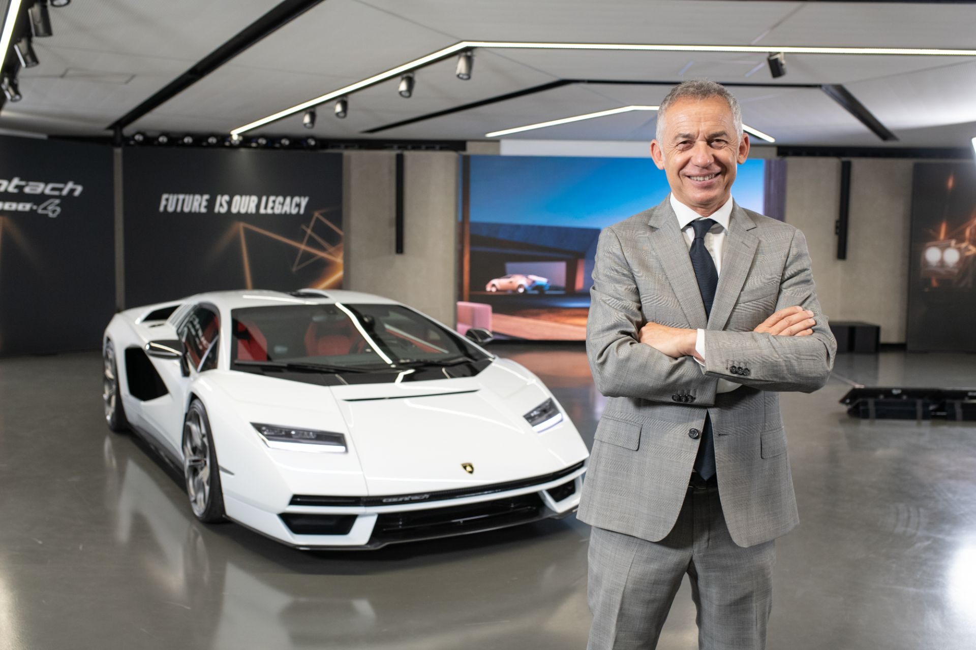 Lamborghini-Countach-LPI-800-4-24